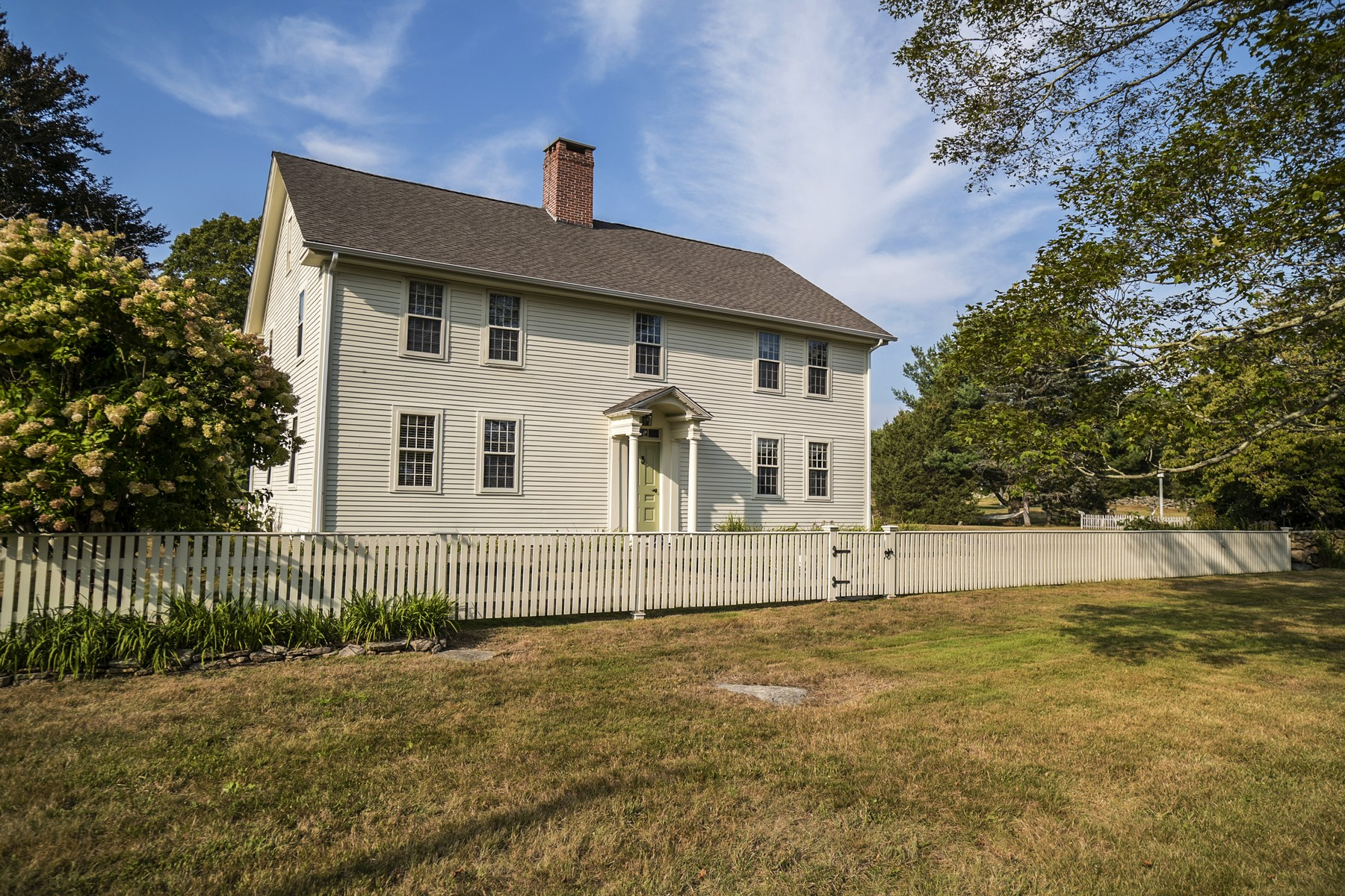 独户住宅 为 销售 在 Authentic Circa 1749 Historic Colonial 704 Al Harvey Road Stonington, 康涅狄格州 06378 美国