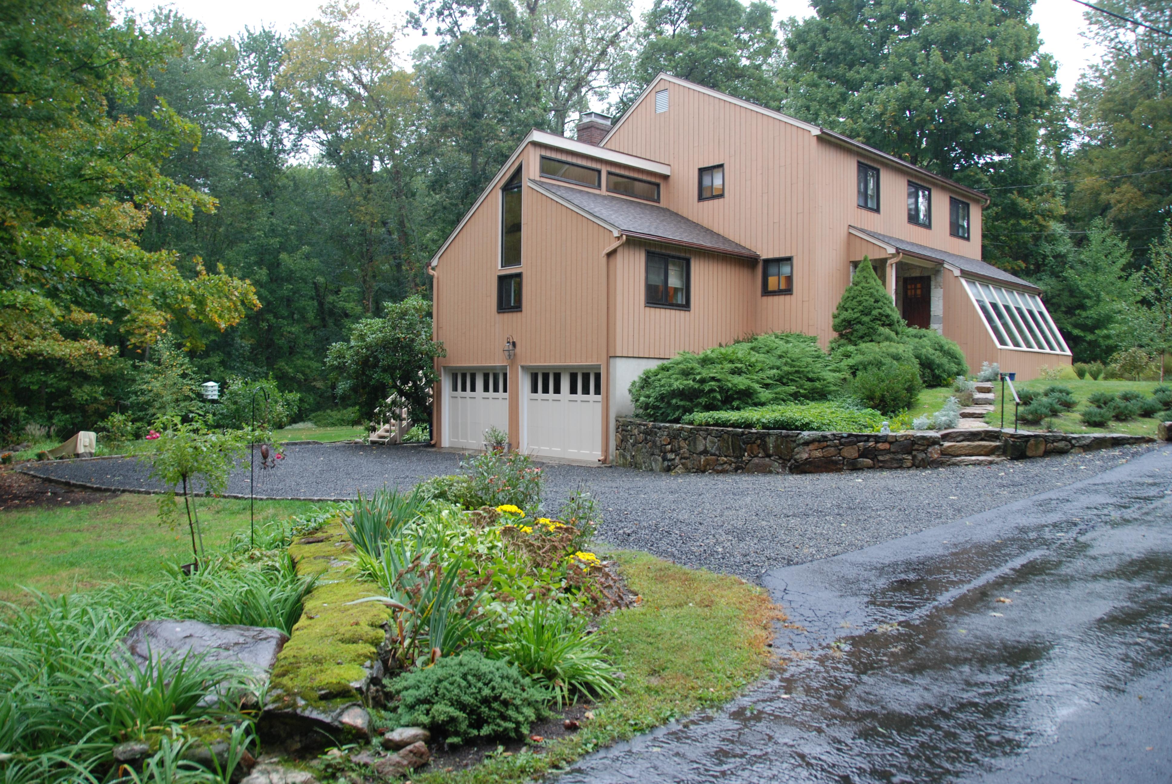 단독 가정 주택 용 매매 에 2 Twin Pond Drive Norwalk, 코네티컷 06850 미국