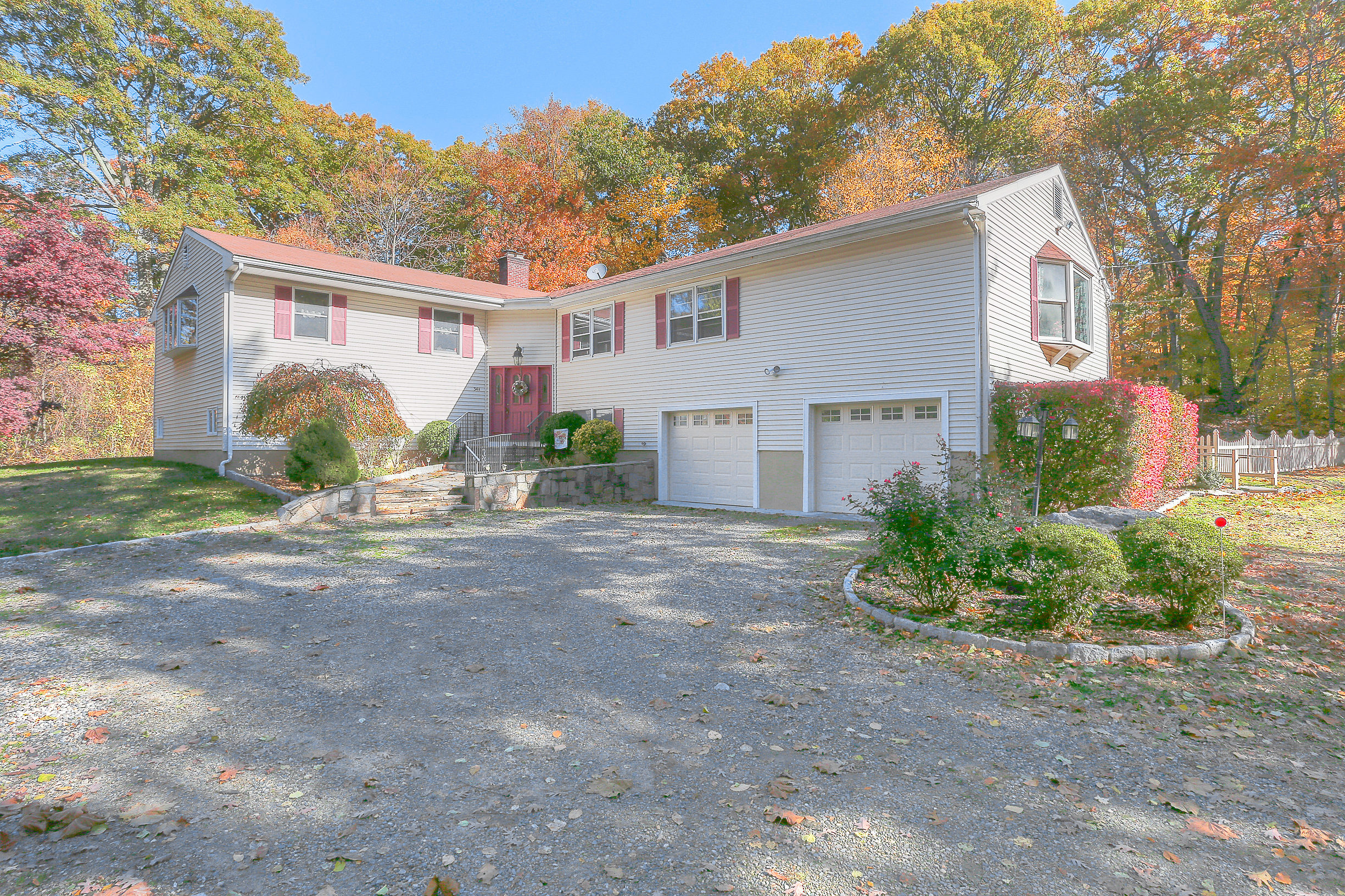 Vivienda unifamiliar por un Venta en Privacy Abounds 34a Bayne Street Norwalk, Connecticut, 06851 Estados Unidos