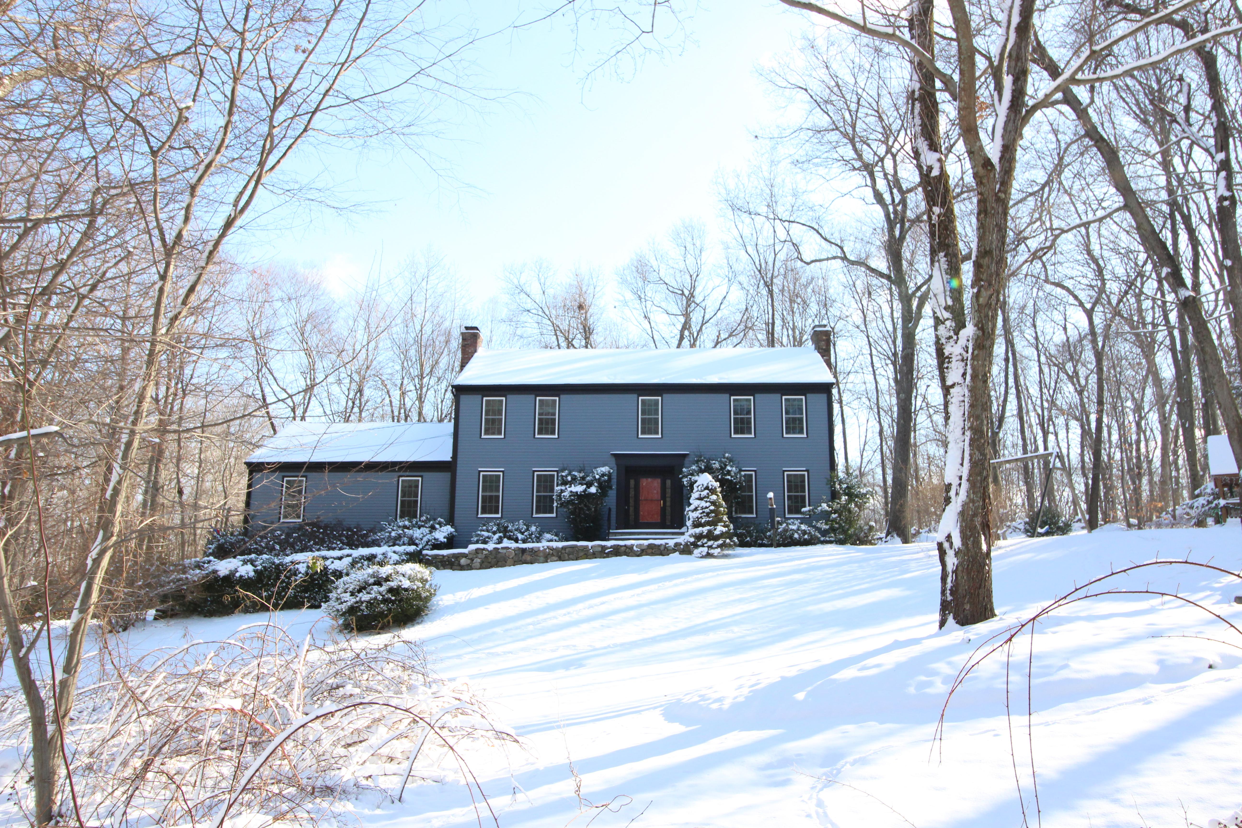 Maison unifamiliale pour l Vente à One of Wilton's Best Neighborhoods 78 Thunder Lake Road Wilton, Connecticut, 06897 États-Unis