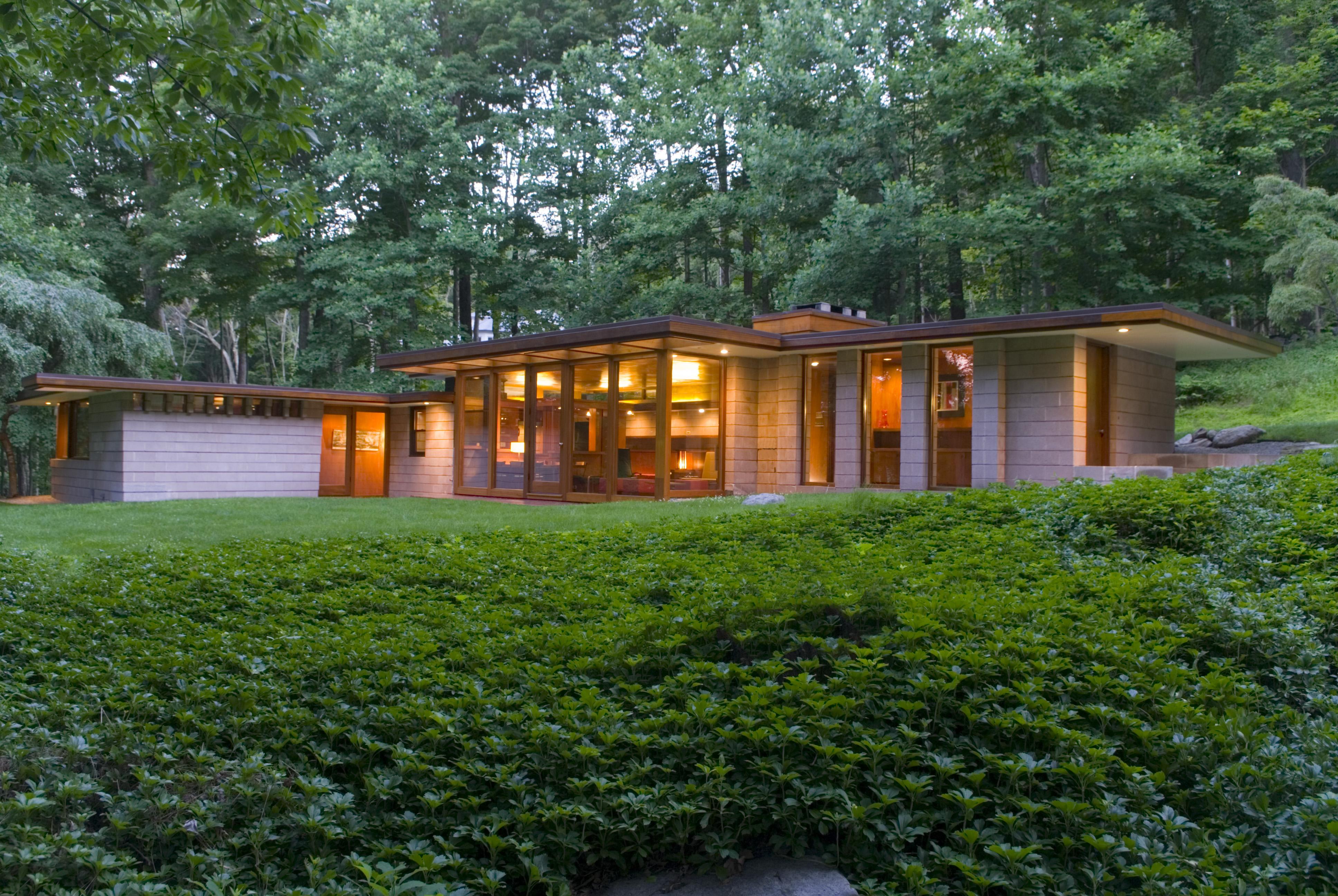 Einfamilienhaus für Verkauf beim Mid-Century Modern Usonian 24 Skylark Lane Weston, Connecticut 06883 Vereinigte Staaten