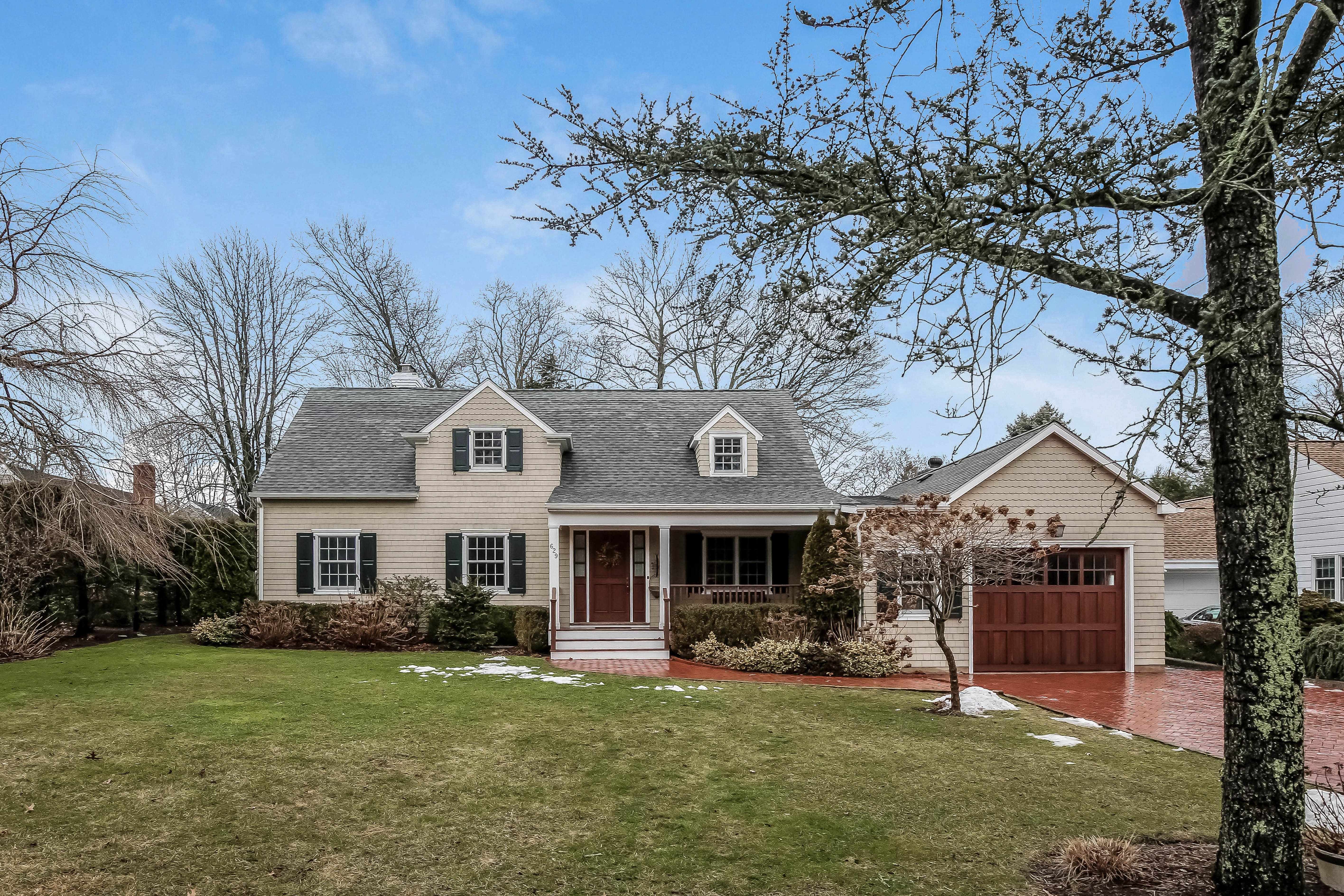 Single Family Home for Sale at Orienta Gem in Mamaroneck 629 Forest Avenue Mamaroneck, New York, 10543 United States