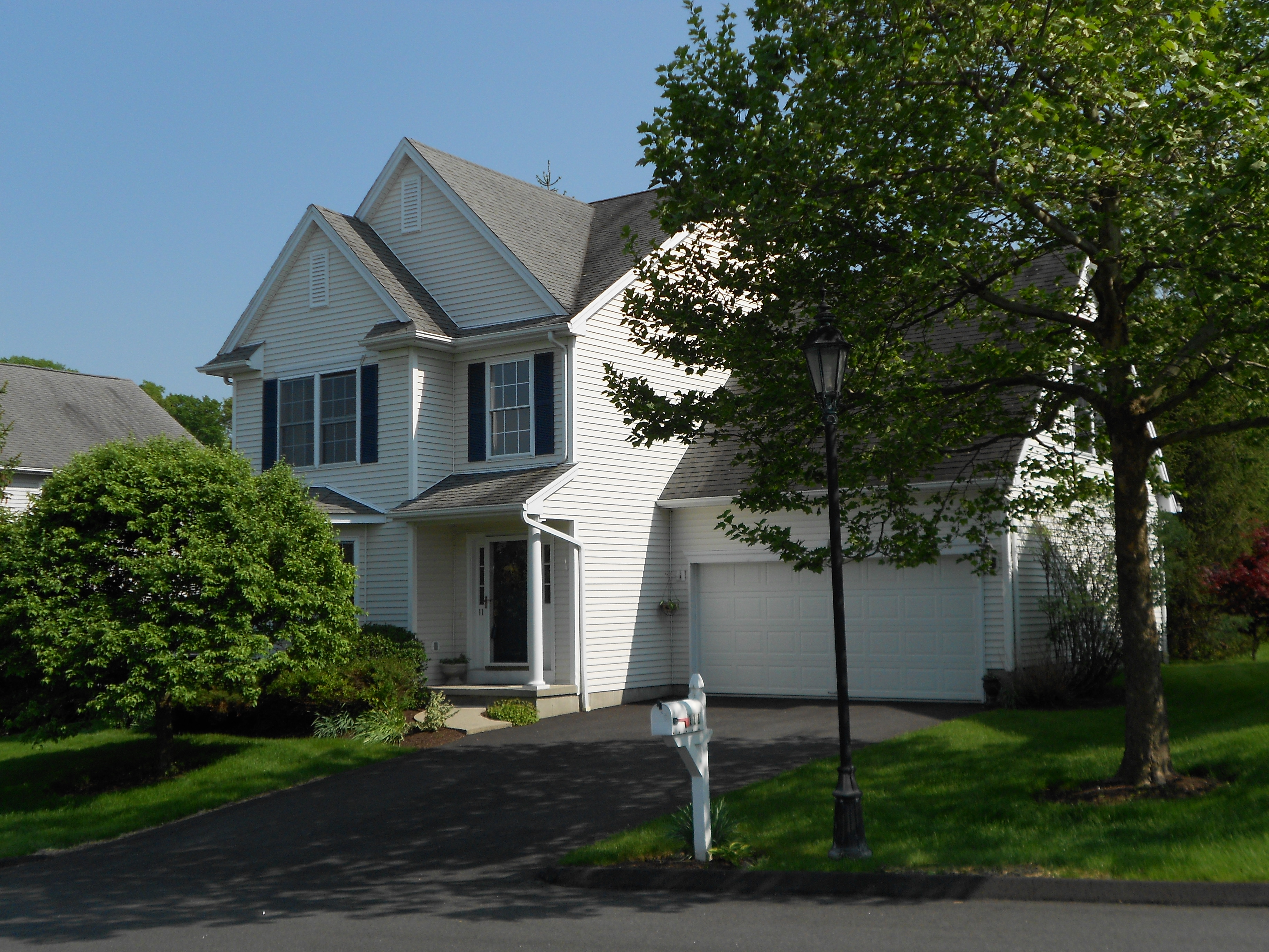 Single Family Home for Sale at Free Standing 3 Bedroom Colonial 111 Logging Trail Road Danbury, Connecticut, 06811 United States
