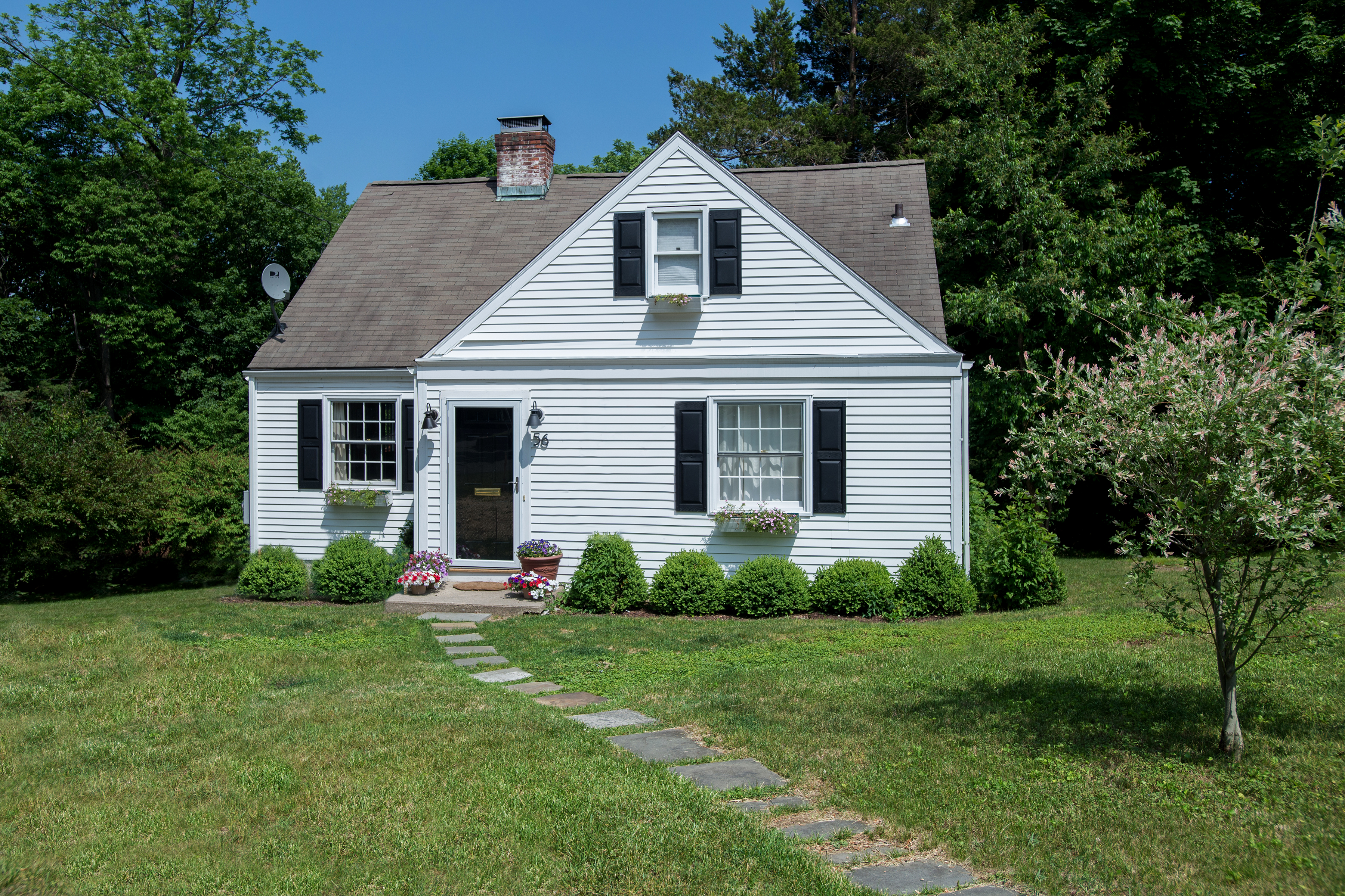 Single Family Home for Sale at IDEAL INVESTMENT PROPERTY 56 Sunrise Avenue New Canaan, Connecticut, 06840 United States