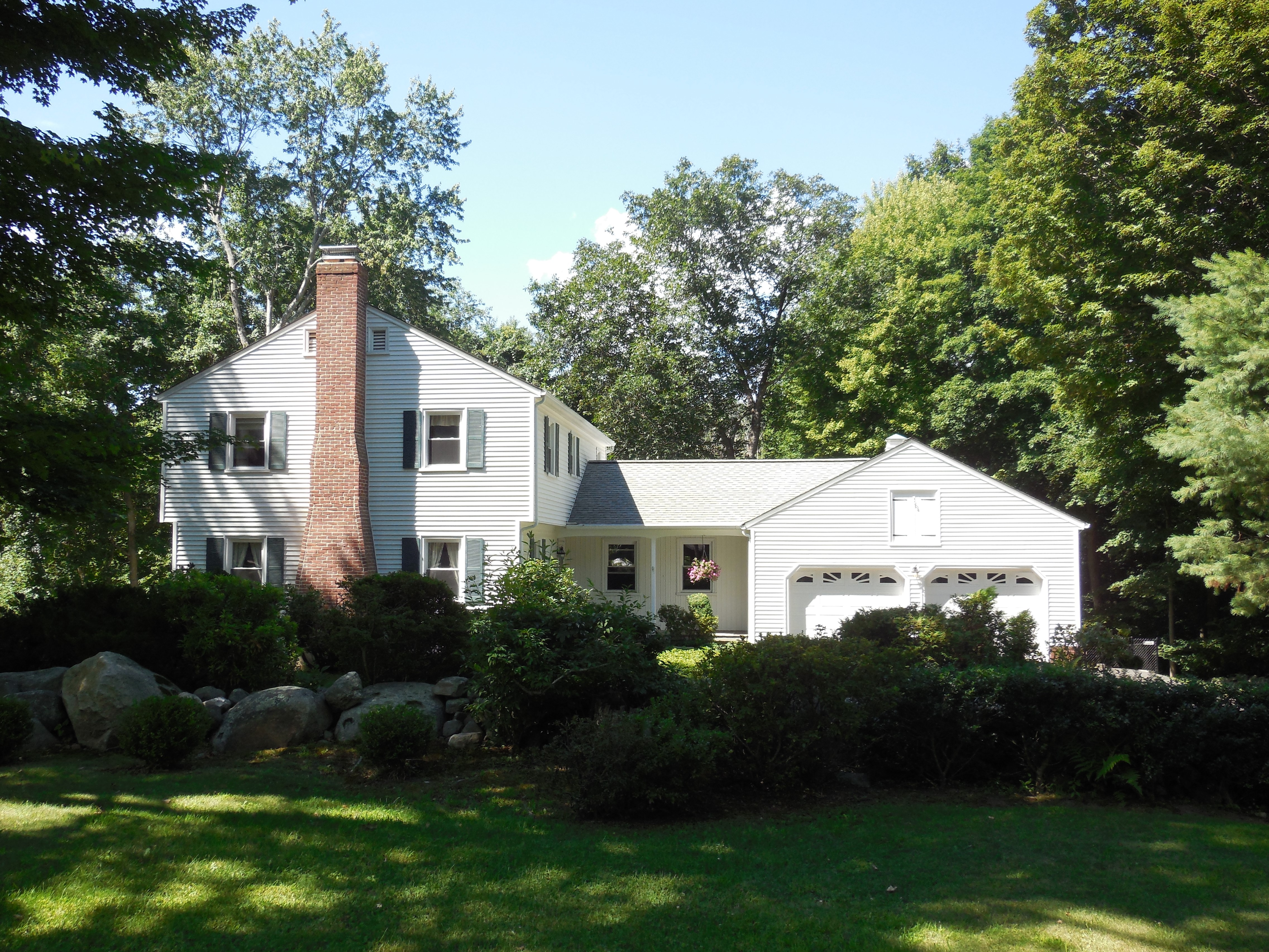 Single Family Home for Sale at Inviting Colonial 20 Pell Mell Drive Bethel, Connecticut, 06801 United States