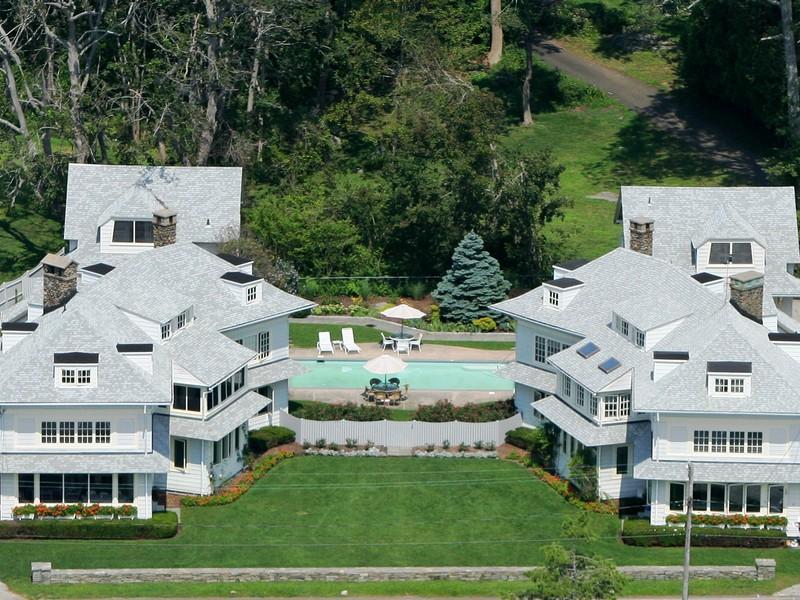 Maison unifamiliale pour l Vente à 61 Middle Beach Rd Madison, Connecticut 06443 États-Unis