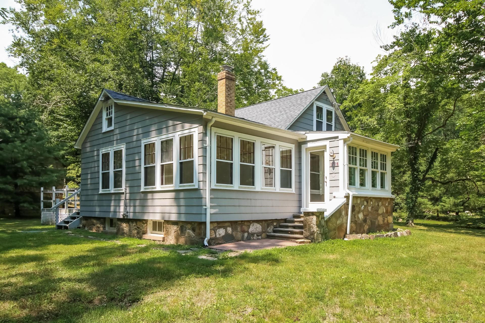 Maison unifamiliale pour l Vente à 1718 Little Meadow Rd Guilford, Connecticut, 06437 États-Unis
