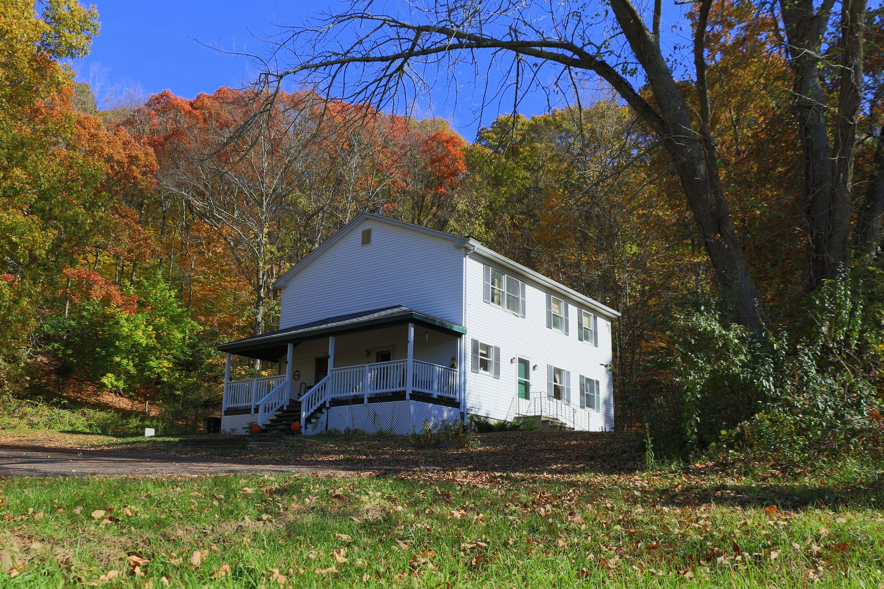 Single Family Home for Sale at Easy Access to Amos Lake 49 Bunny Road Preston, Connecticut, 06365 United States