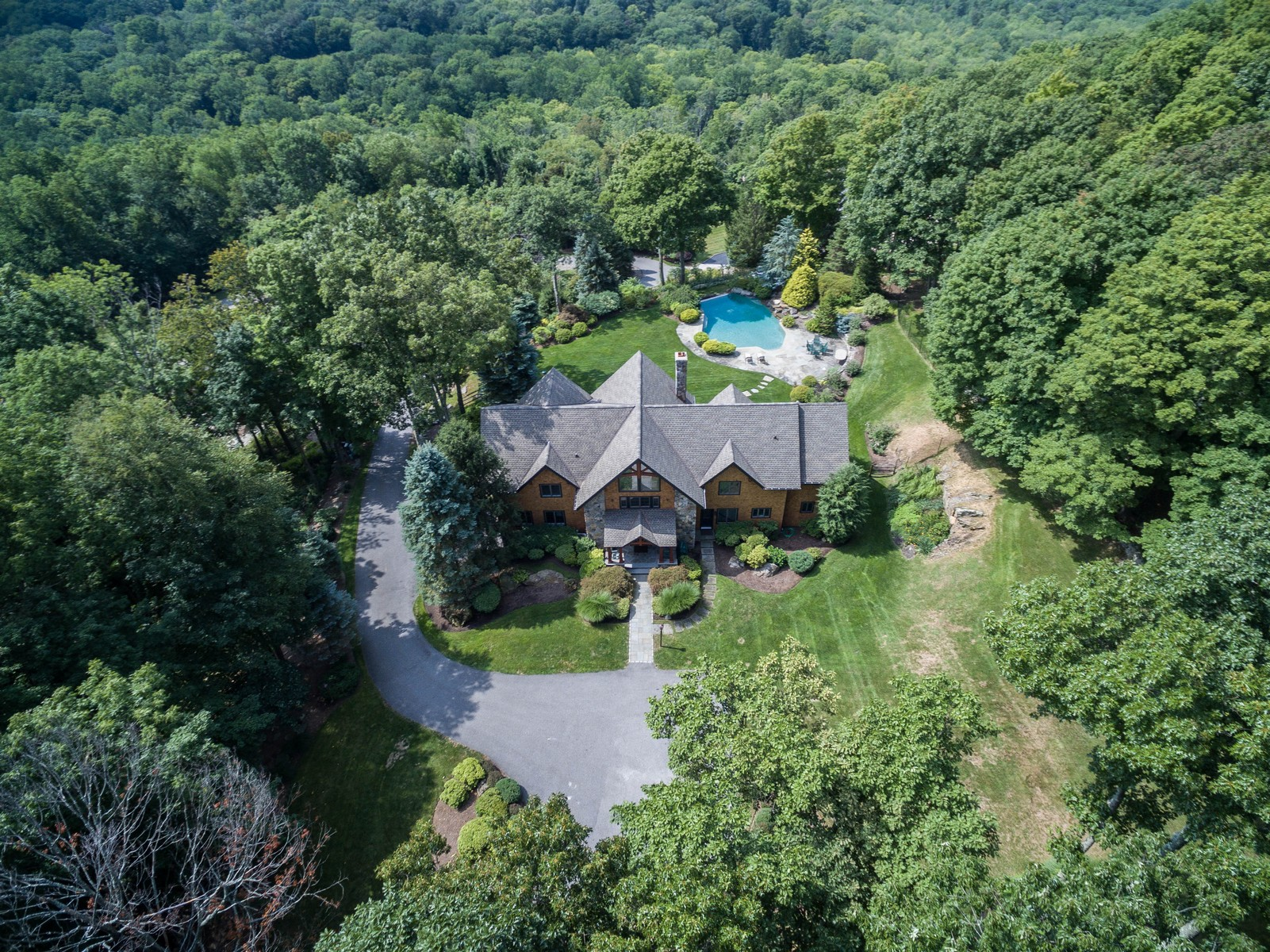 Nhà ở một gia đình vì Bán tại Views from Every Room 150 Oscaleta Road Ridgefield, Connecticut, 06877 Hoa Kỳ