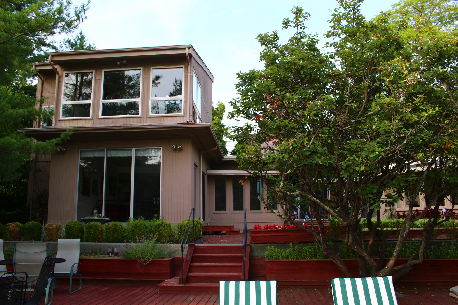 Property For Sale at Classic Mid- Century Modern Home