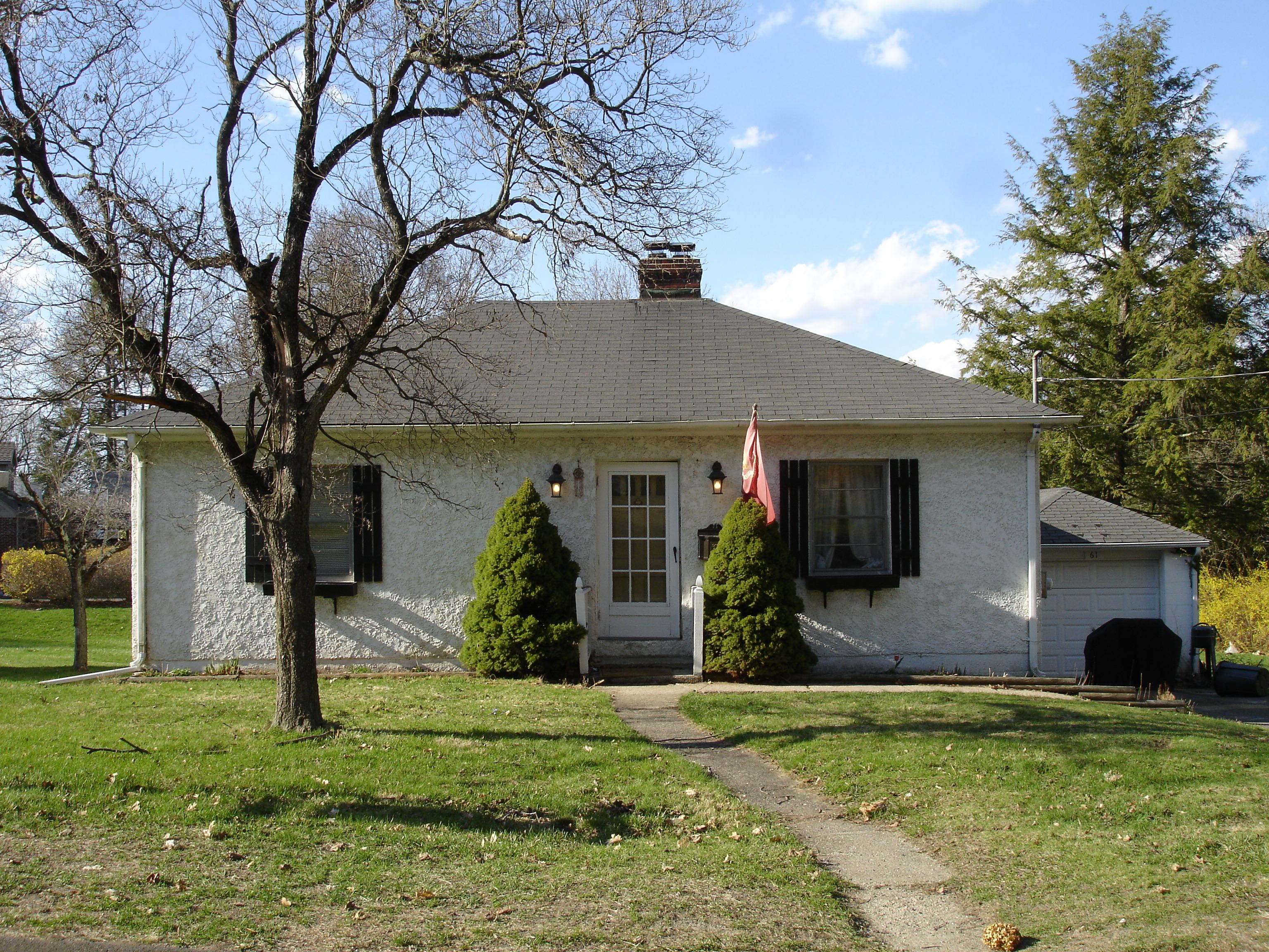 Maison unifamiliale pour l Vente à Fantastic Location and Great Opportunity 61 Southern Boulevard Danbury, Connecticut 06810 États-Unis