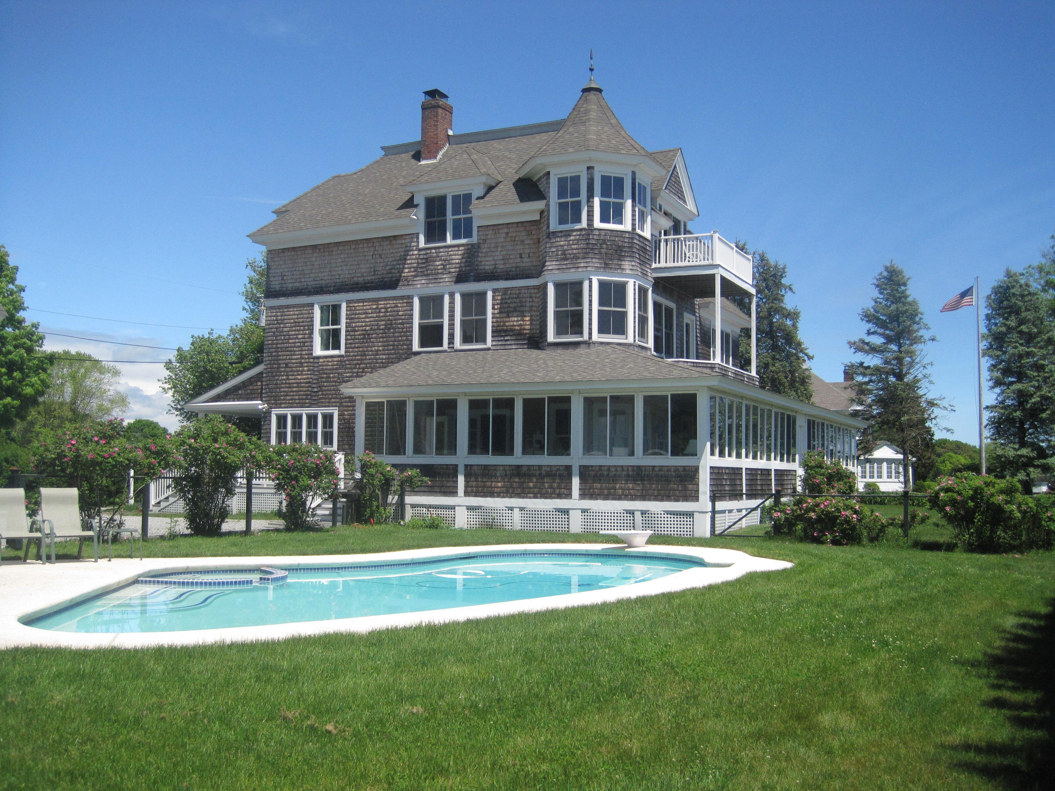 Nhà ở một gia đình vì Bán tại Magnificent one of a kind 39 Indian Drive Clinton, Connecticut, 06413 Hoa Kỳ