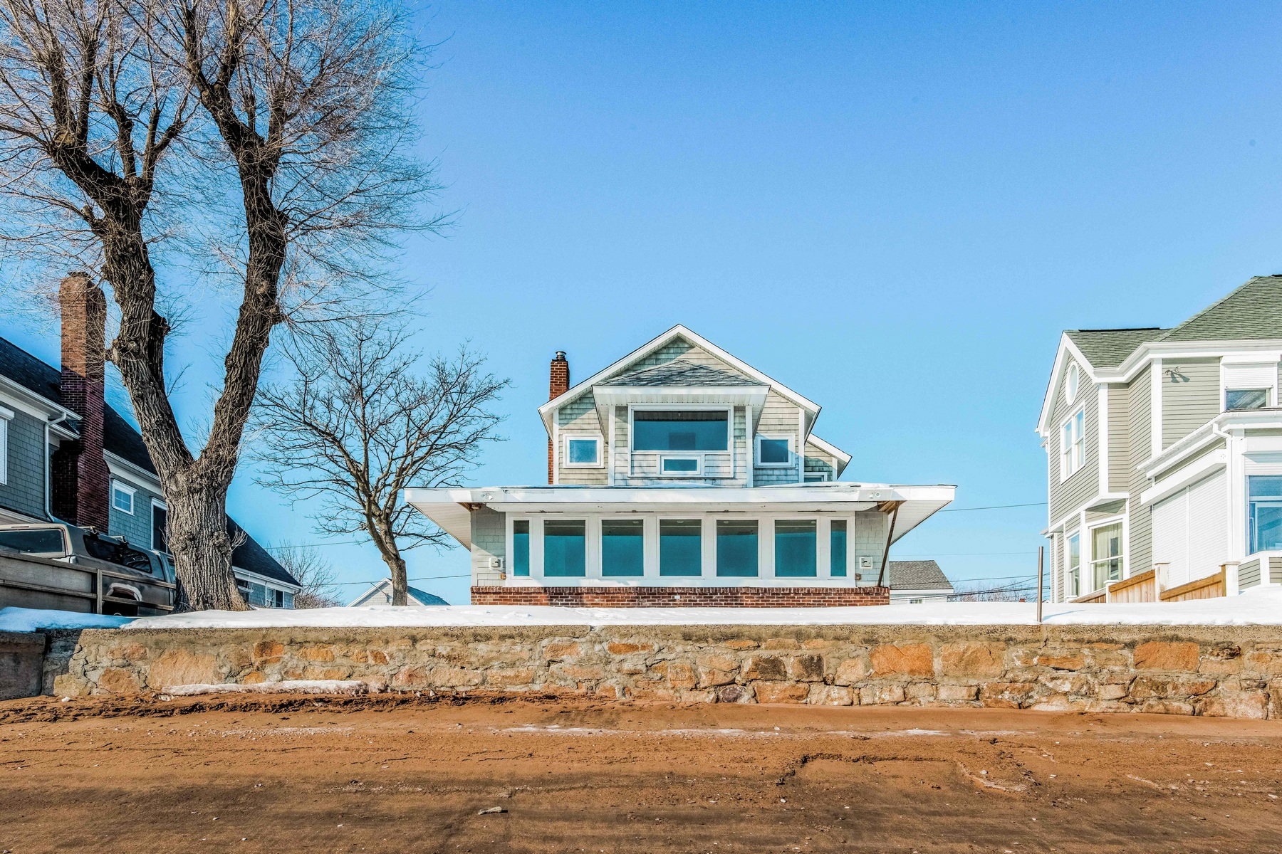 Single Family Home for Sale at 40-44 Bristol St Branford, Connecticut 06405 United States