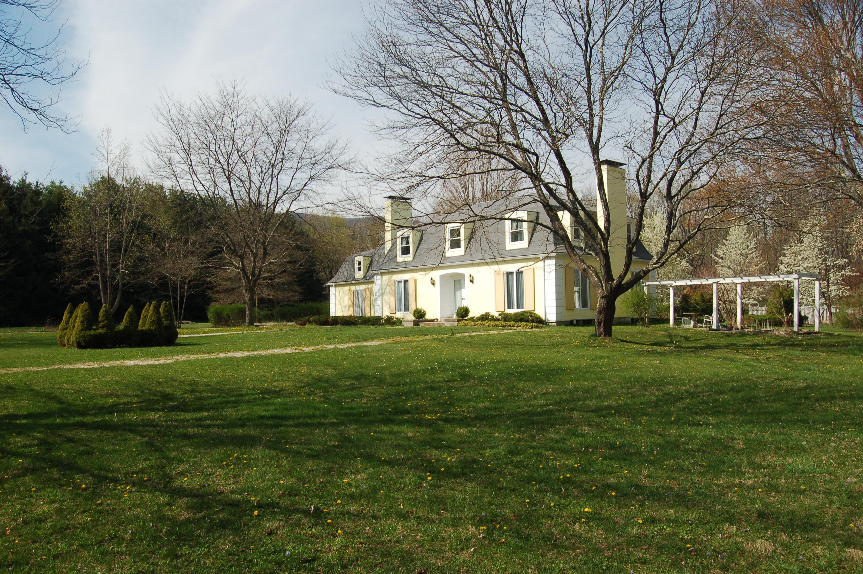 Casa Unifamiliar por un Venta en French Country Manor 34 Ravine Ridge Salisbury, Connecticut 06068 Estados Unidos