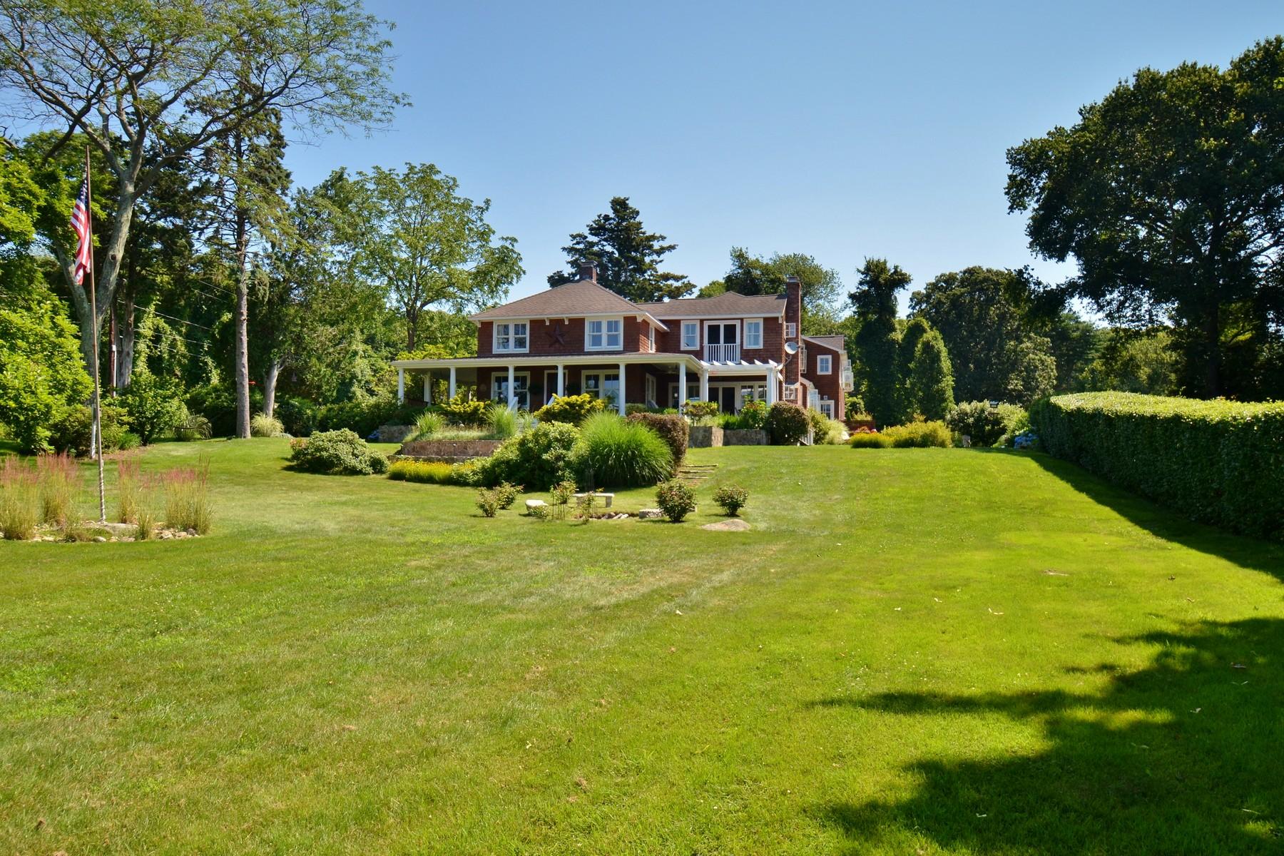 Einfamilienhaus für Verkauf beim Completely Renovated with Water View 100 Old Black Point Rd East Lyme, Connecticut 06357 Vereinigte Staaten