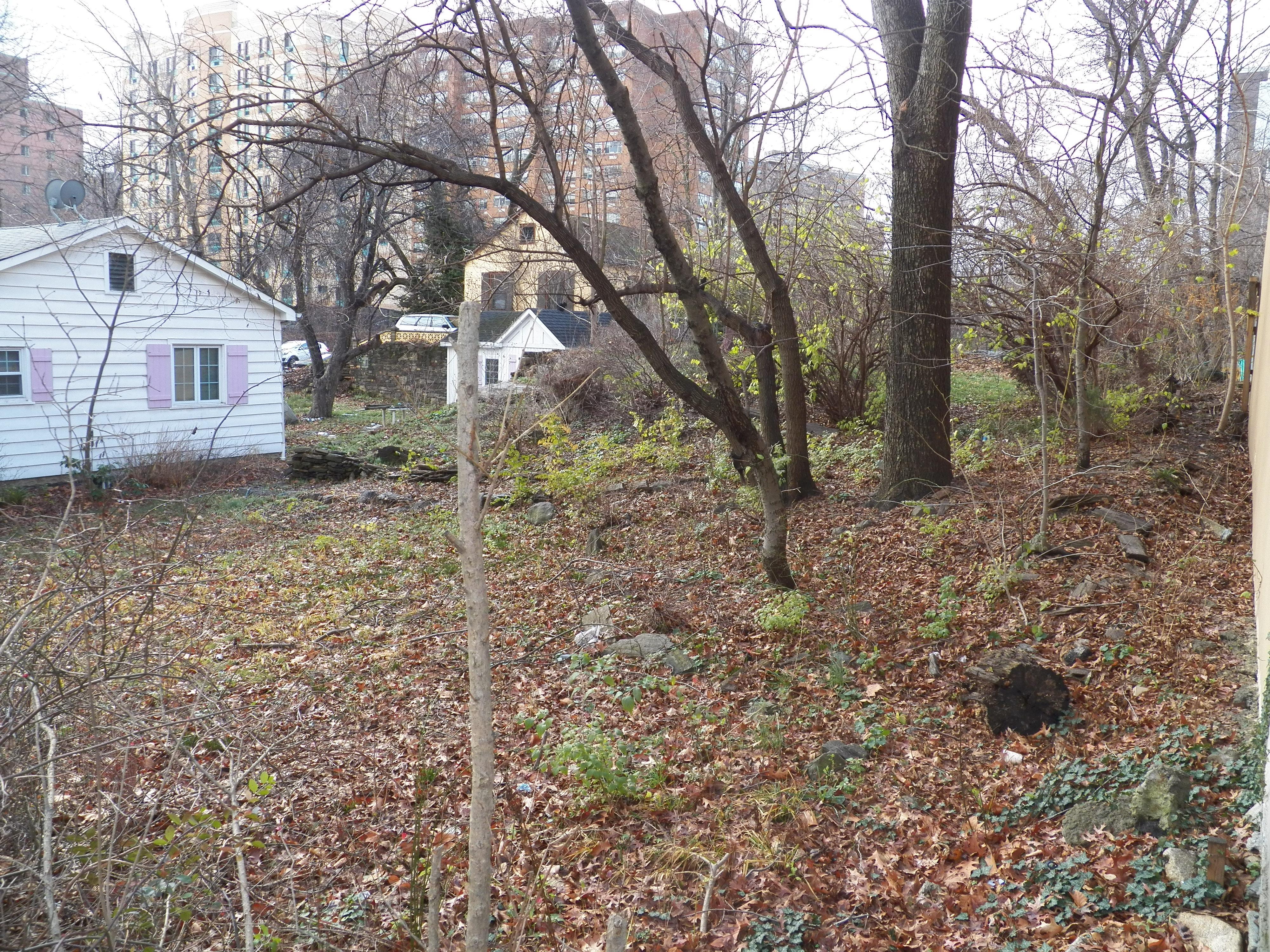Земля для того Продажа на Land in Bronx Rombouts Avenue Bronx, Нью-Йорк 10475 Соединенные Штаты