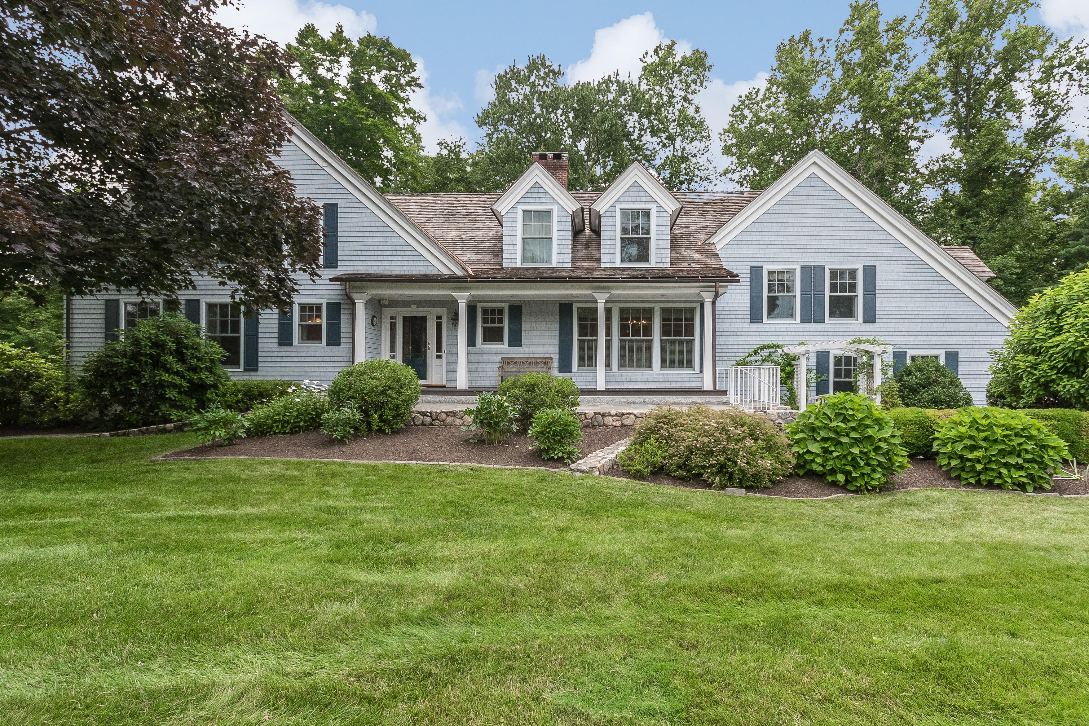 Частный односемейный дом для того Продажа на Hunt Club Area 1 Ulbrick Lane Westport, Коннектикут, 06880 Соединенные Штаты