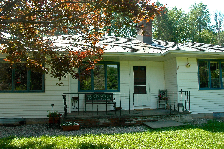 Casa Unifamiliar por un Venta en Cornwall Bridge Ranch 4 Hickory Ln Cornwall, Connecticut, 06754 Estados Unidos