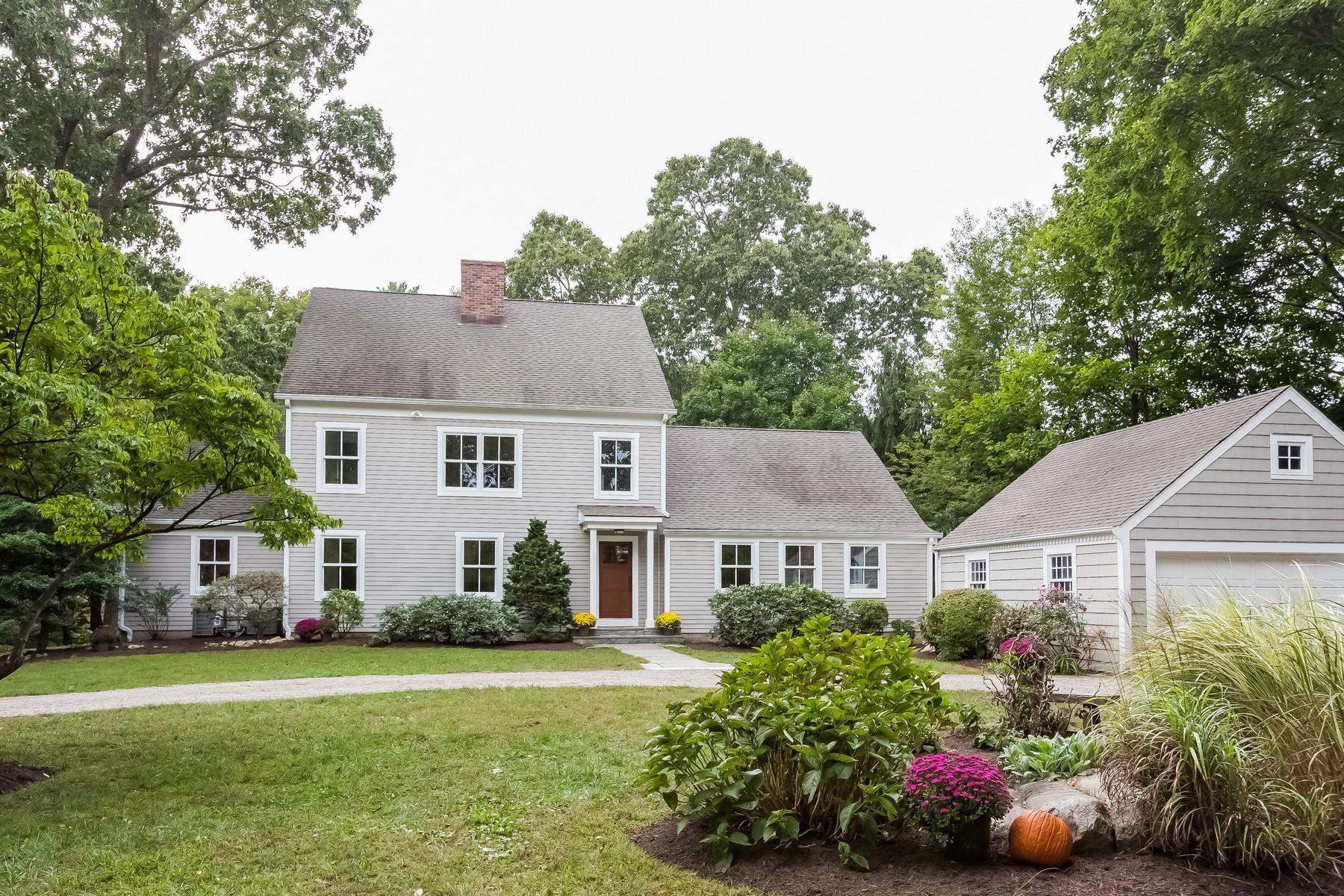 Einfamilienhaus für Verkauf beim Private Cul-De-Sac 6 Berry Lane Darien, Connecticut, 06820 Vereinigte Staaten