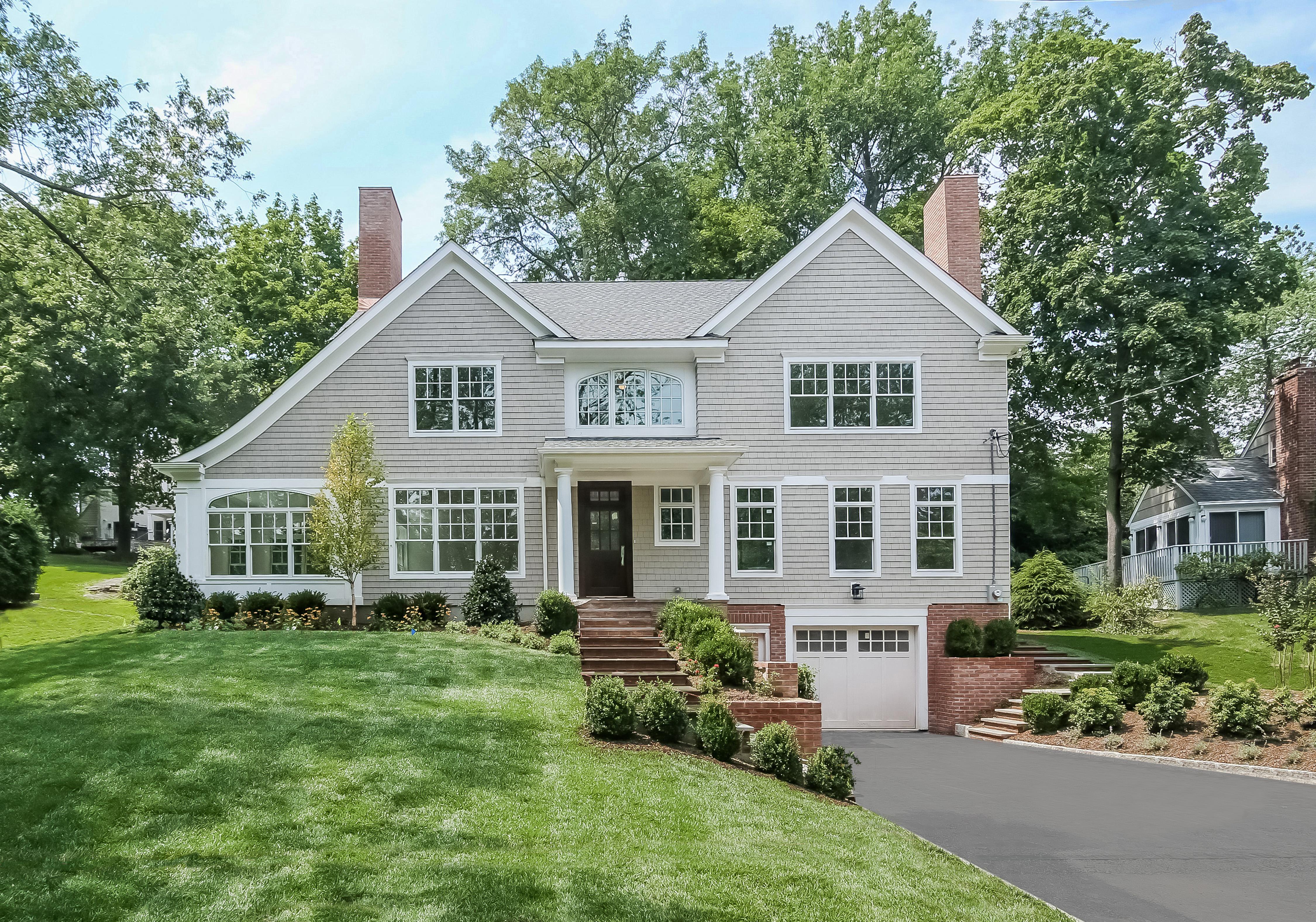 Villa per Vendita alle ore Rye Gardens New Construction Home 15 Colby Avenue Rye, New York 10580 Stati Uniti