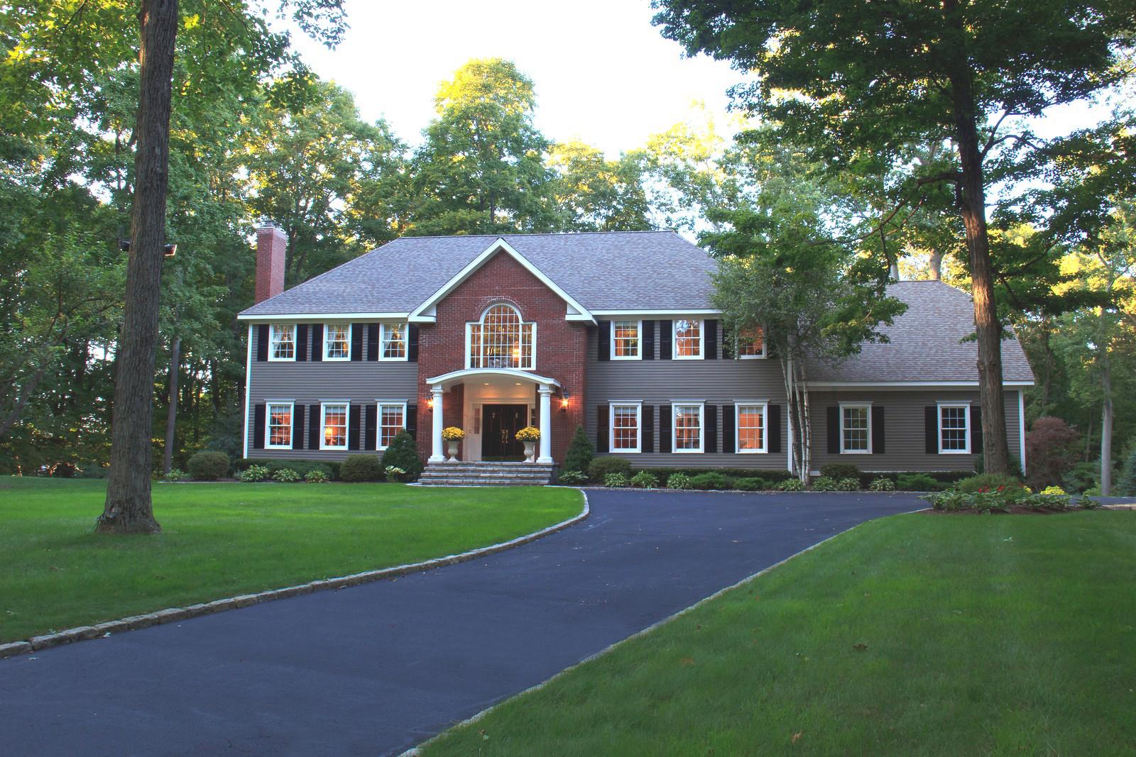 Частный односемейный дом для того Продажа на 3 Dry River Court Redding, Коннектикут 06896 Соединенные Штаты