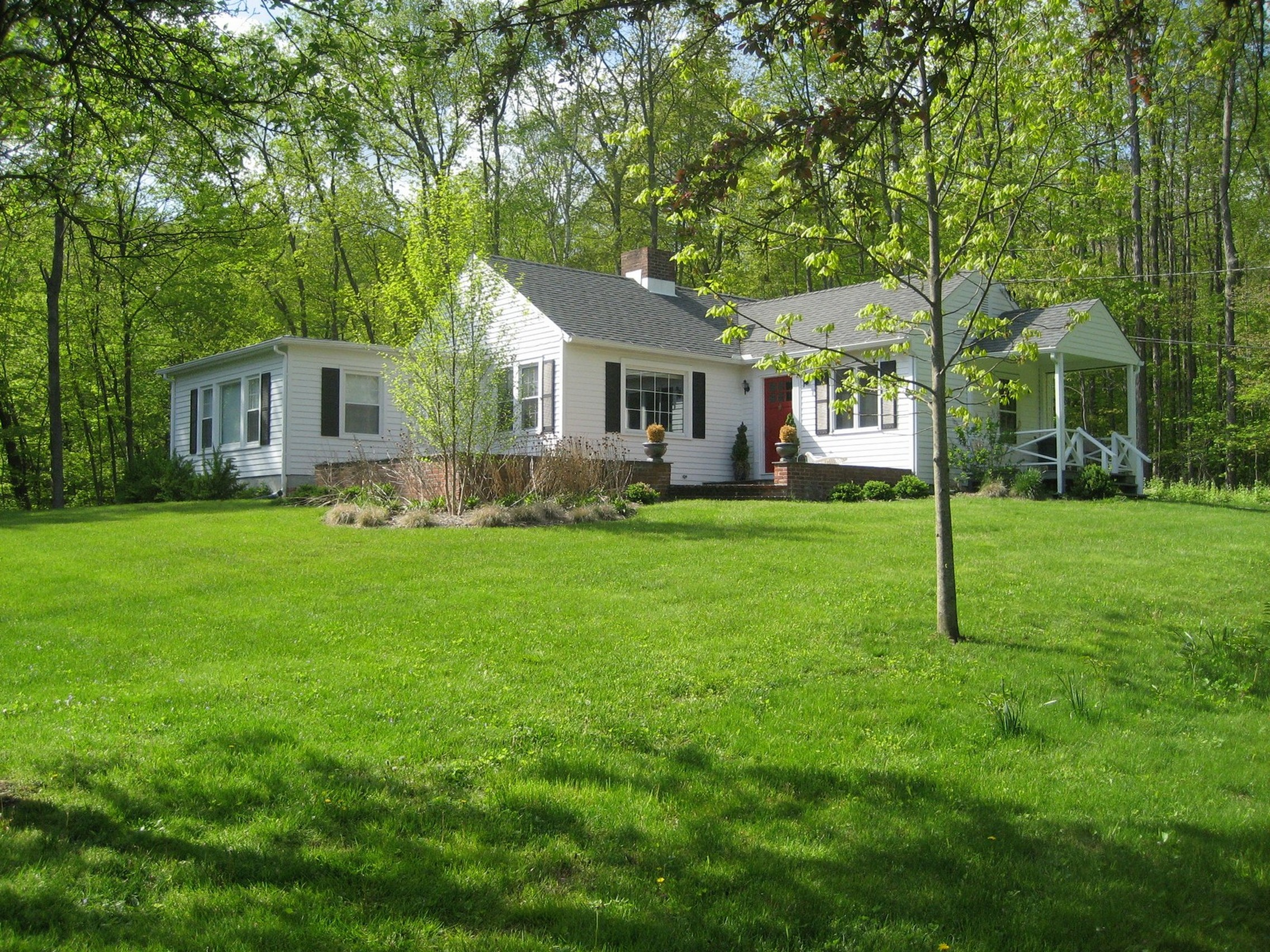Casa Unifamiliar por un Venta en Waterside Retreat 190 Lake Rd Warren, Connecticut 06777 Estados Unidos