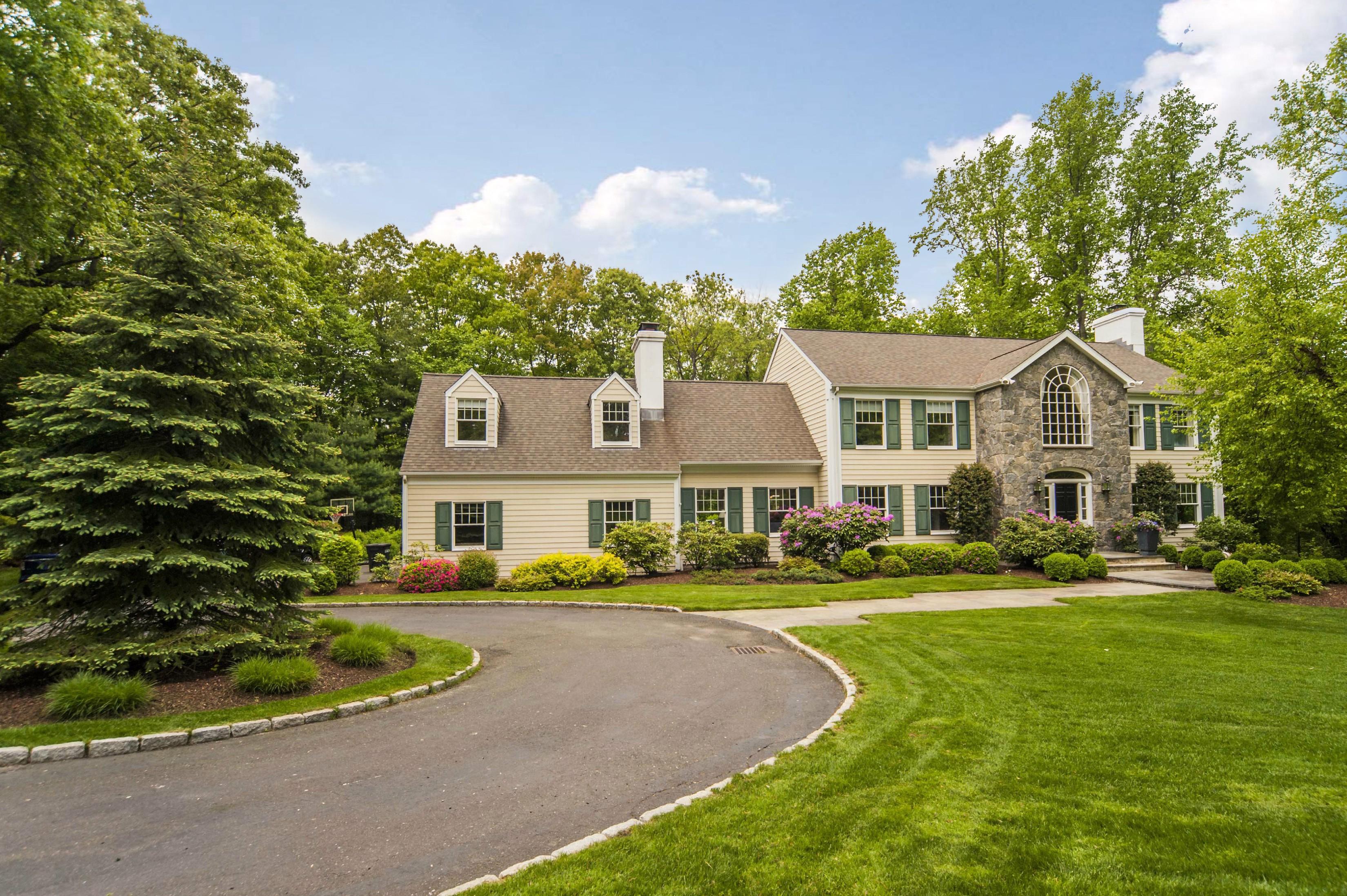 独户住宅 为 销售 在 Wilson Point Gem 7 Hilltop Road Norwalk, 康涅狄格州 06854 美国