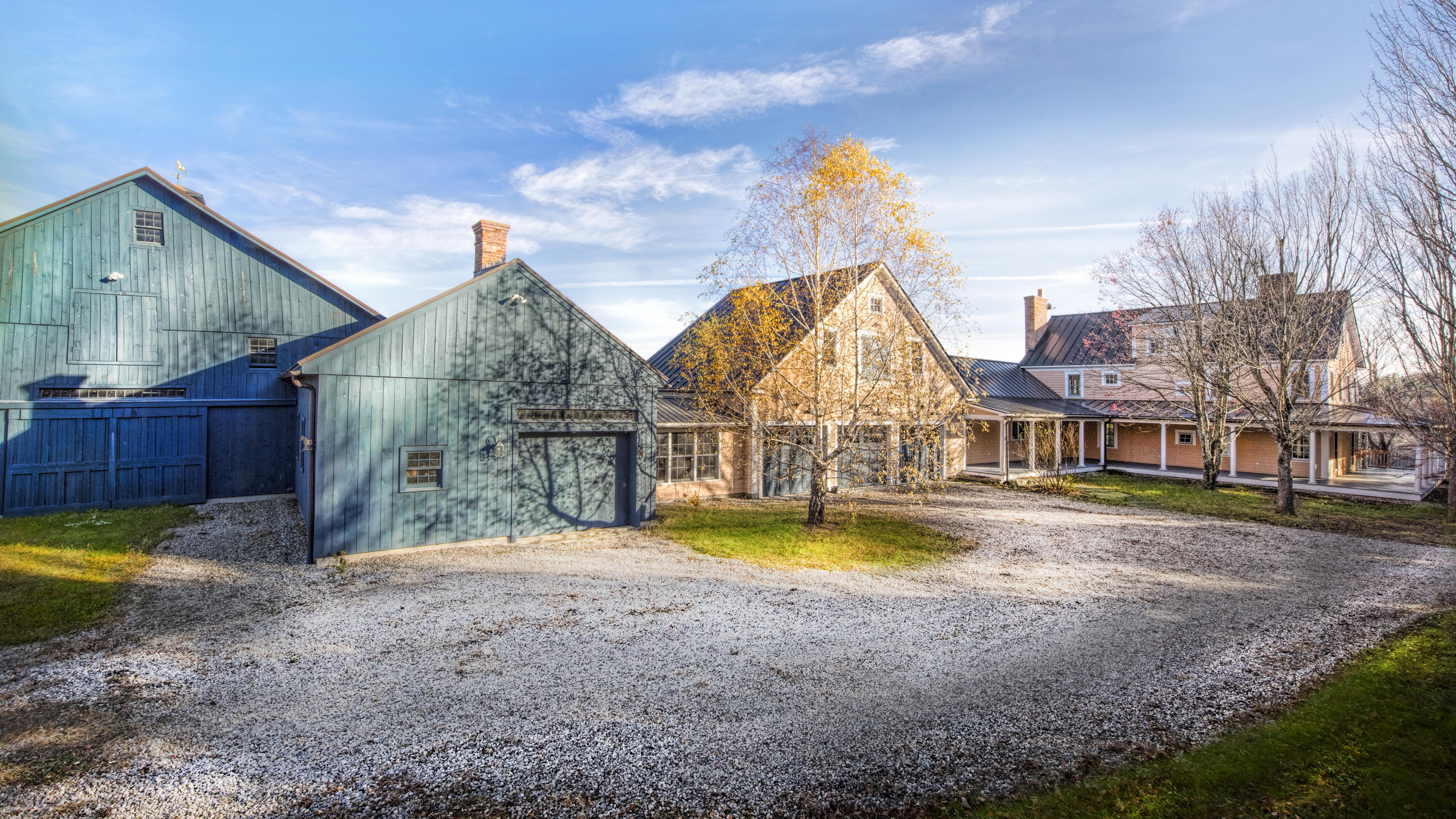 Maison unifamiliale pour l Vente à Outstanding 103 Acre Horse Farm with Many Terrific Features 92 North Rd Chesterfield, Massachusetts, 01012 États-Unis