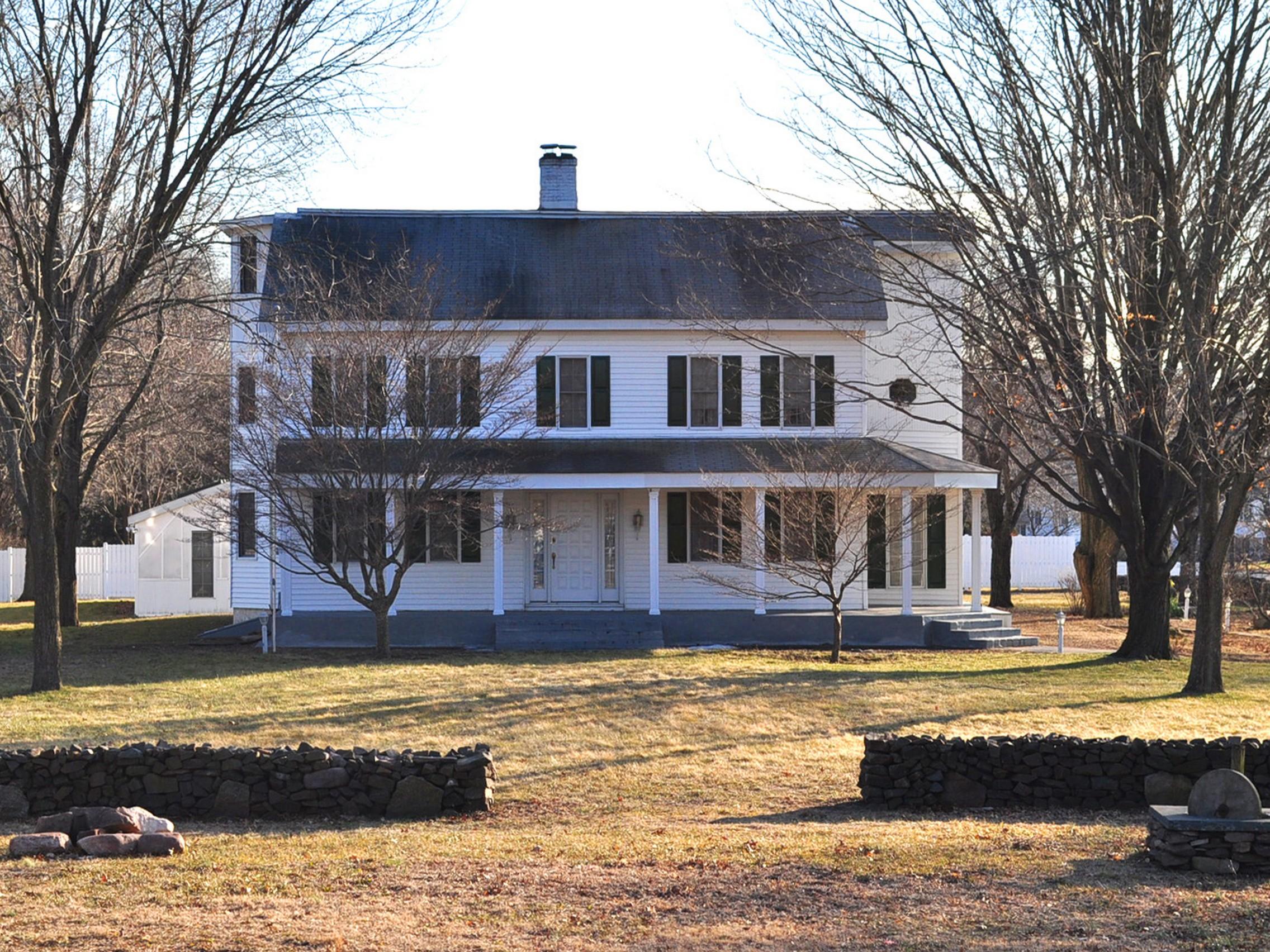 Casa Unifamiliar por un Venta en On The Green 2 Maple Avenue North Haven, Connecticut 06473 Estados Unidos