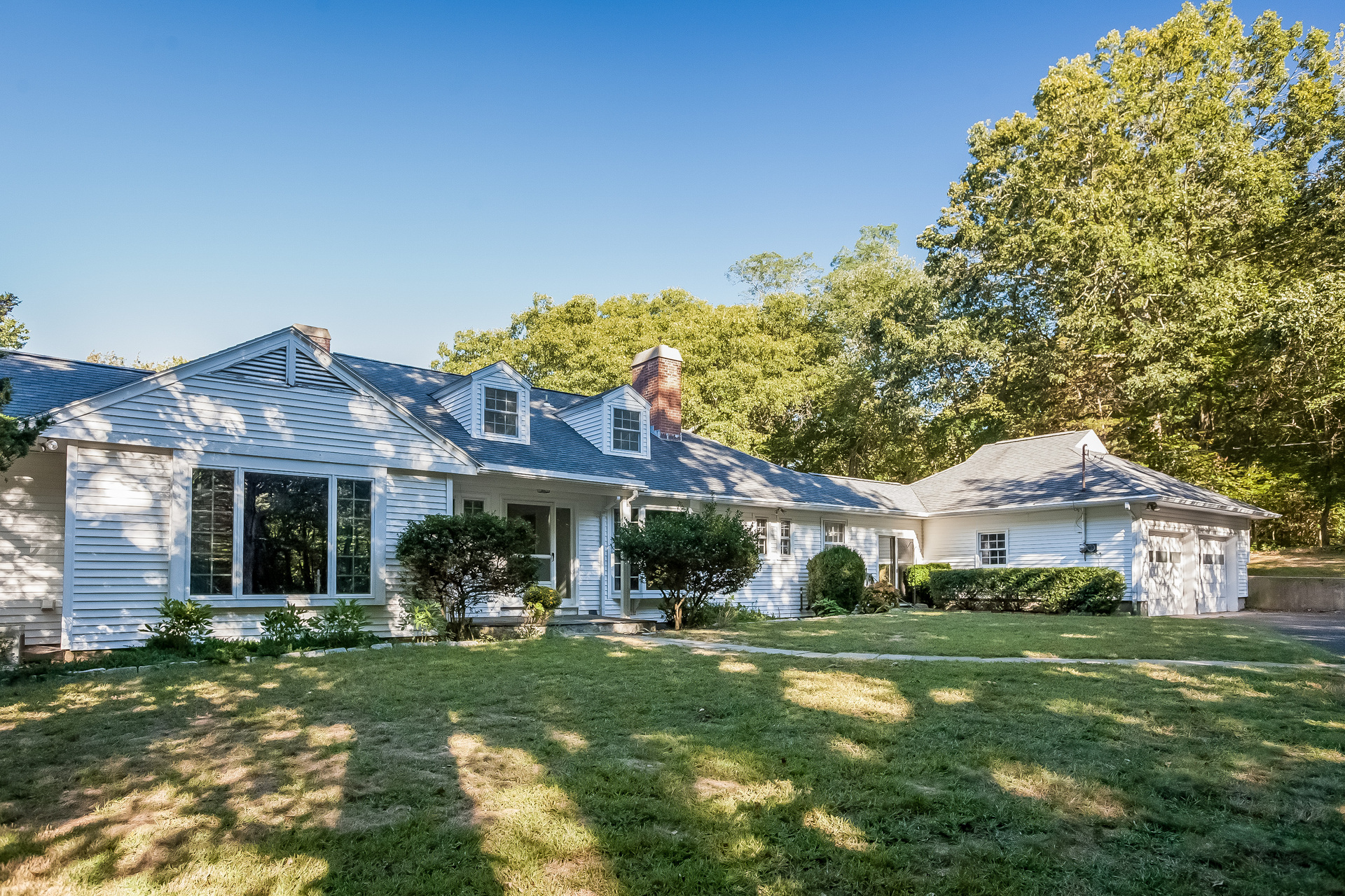 Casa Unifamiliar por un Venta en Fabulous Water Views 66 Otter Cove Drive Old Saybrook, Connecticut 06475 Estados Unidos