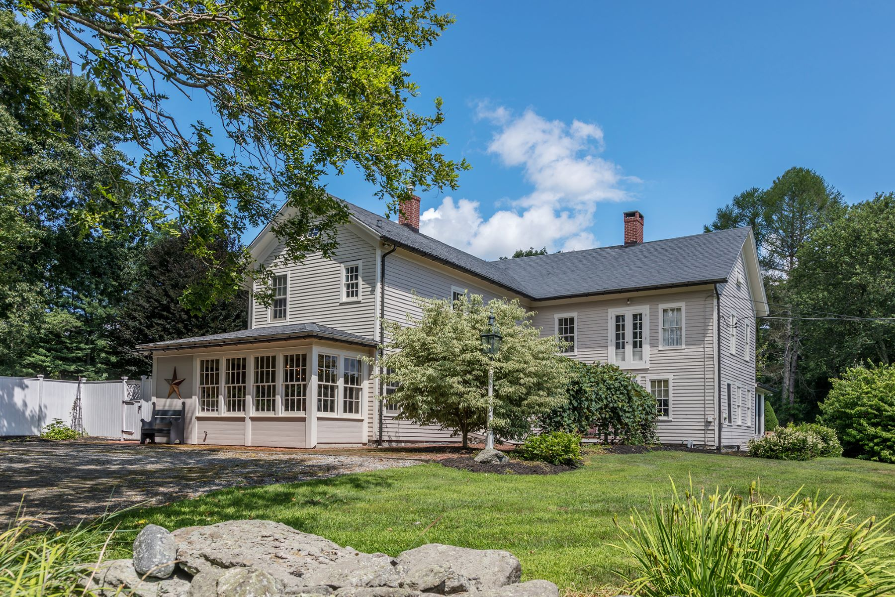 Single Family Homes for Sale at Quintessential New England Country Home 433 West Morris Road Morris, Connecticut 06763 United States