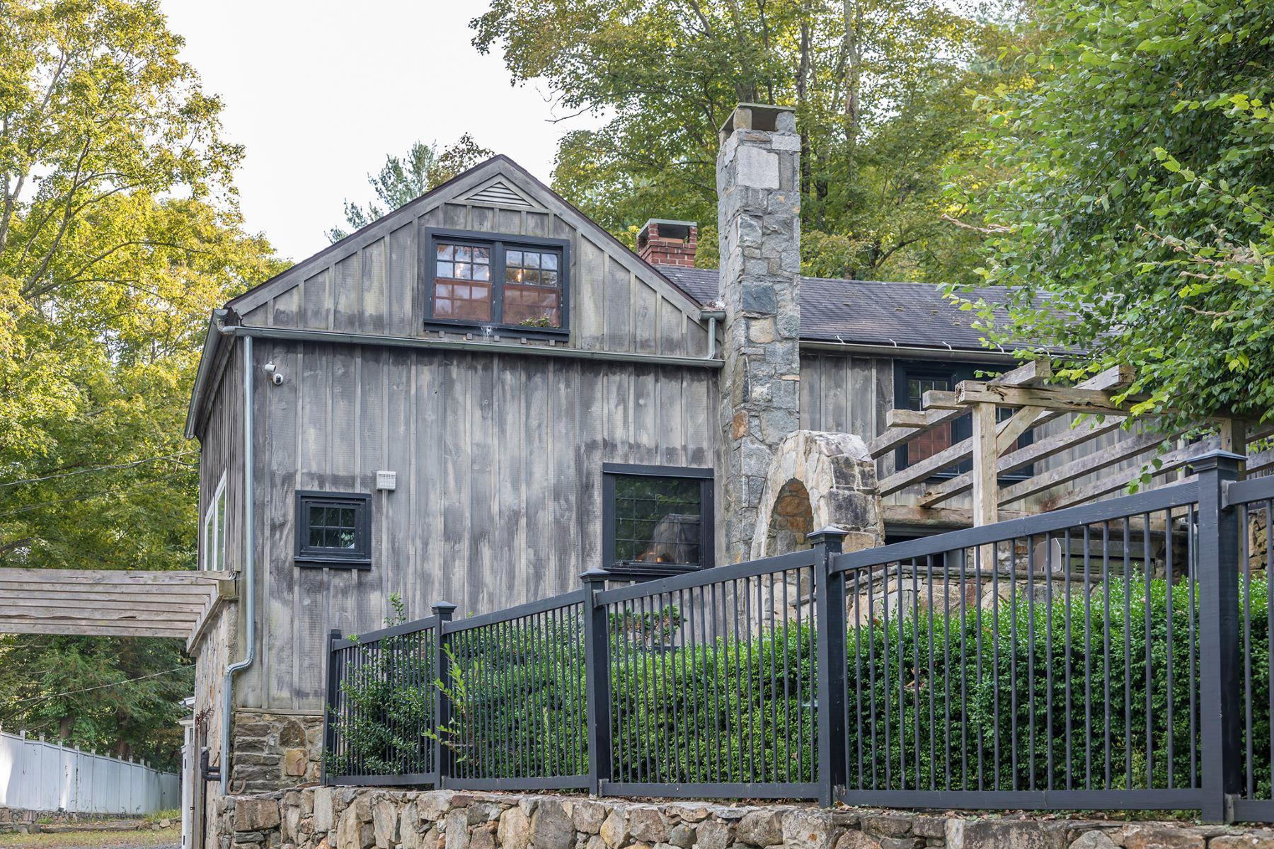 Single Family Homes vì Bán tại Roxbury, Connecticut 06783 Hoa Kỳ