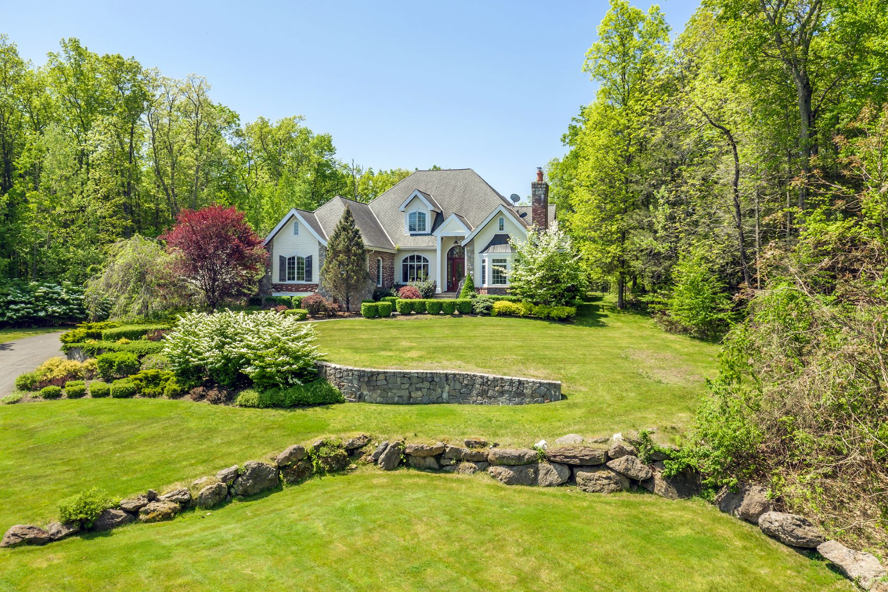 Single Family Homes for Sale at Luxury in a Country Setting 15 Evans Hill Road Sherman, Connecticut 06784 United States