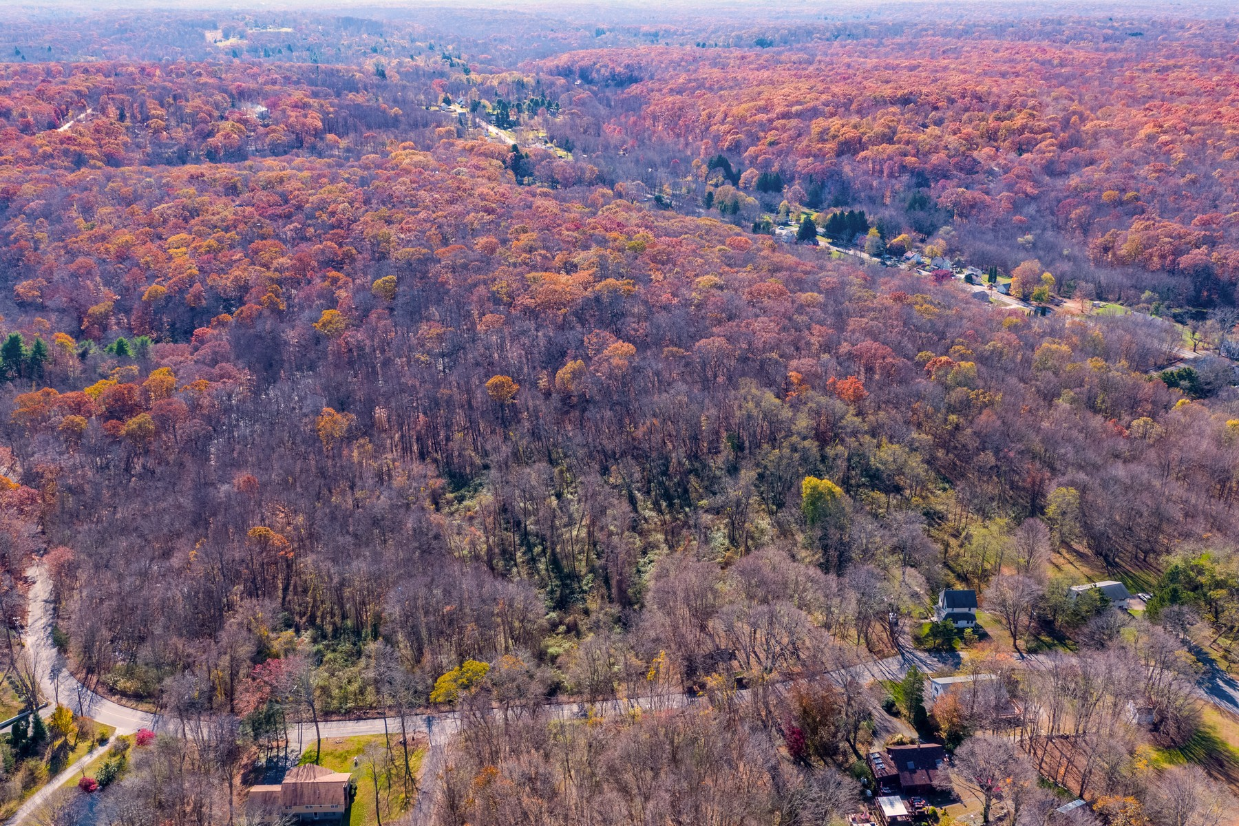 Land for Active at Enchanting 25+ Acre Property Offers Possi8bilities 245-259 Kelsey Hill Road Deep River, Connecticut 06417 United States