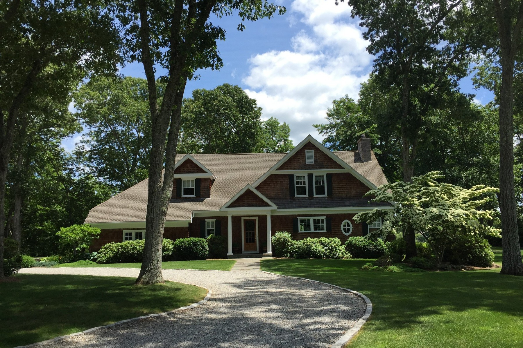 Casa Unifamiliar por un Venta en Direct Waterfront in Desirable Talcott Farm 9 Talcott Farm Road Old Lyme, Connecticut 06371 Estados Unidos