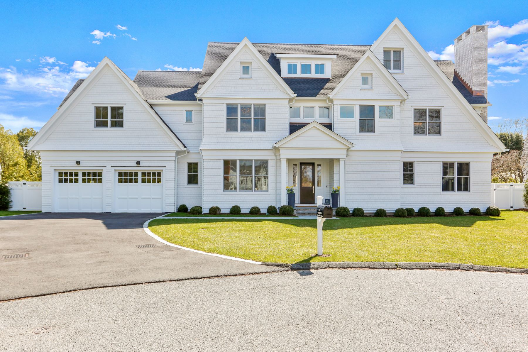 Single Family Homes للـ Sale في Stunning New Construction! 6 Crystal Circle, Westport, Connecticut 06880 United States