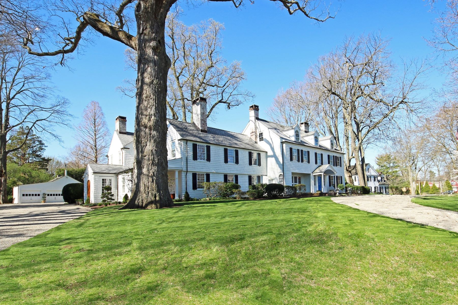 Maison unifamiliale pour l Vente à Exceptional Southport Landmark 187 Westway Road Fairfield, Connecticut 06890 États-Unis