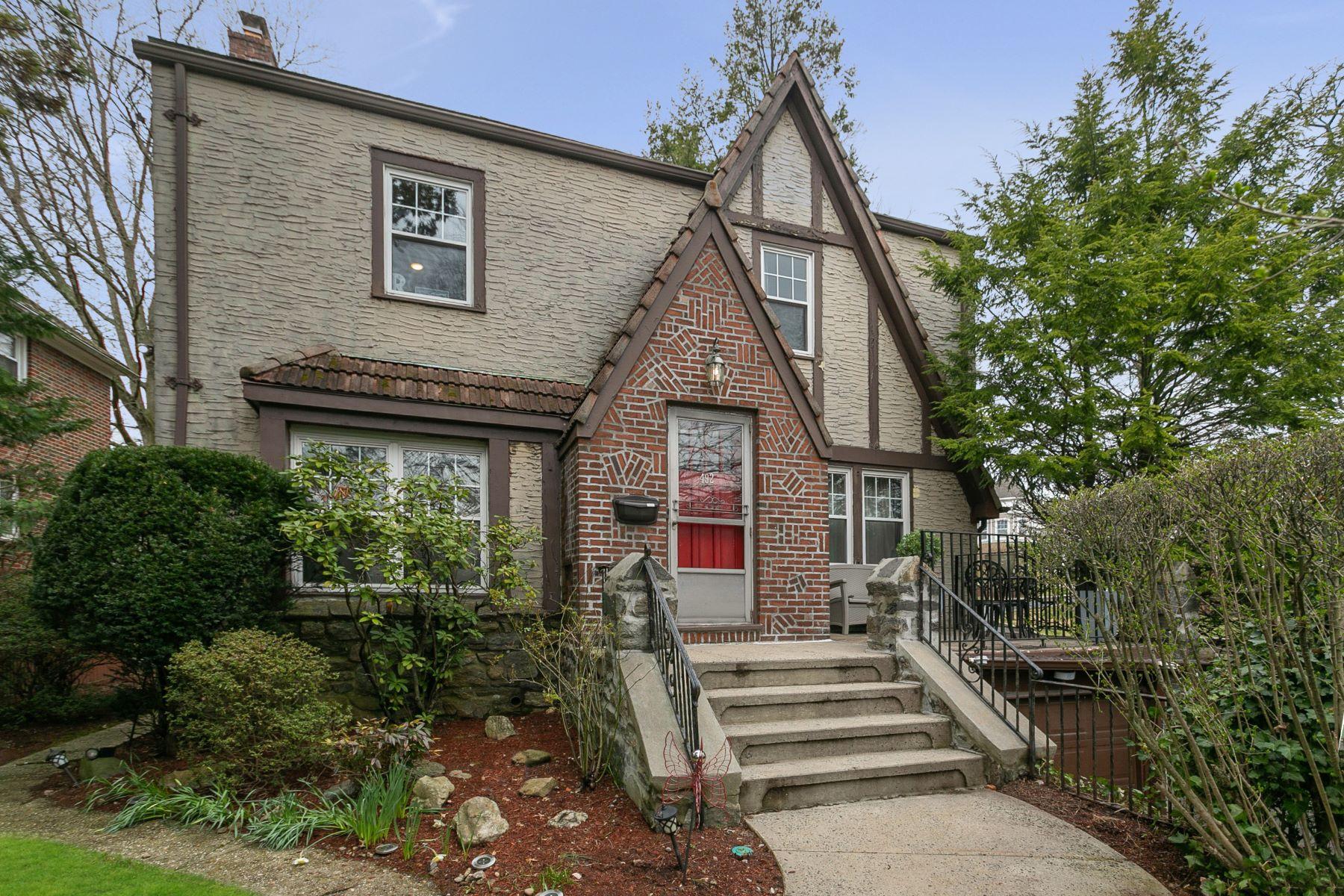 Single Family Homes 為 出售 在 Modern Design Meets Original Historic Detail 492 N Columbus Avenue, Mount Vernon, 纽约 10552 美國