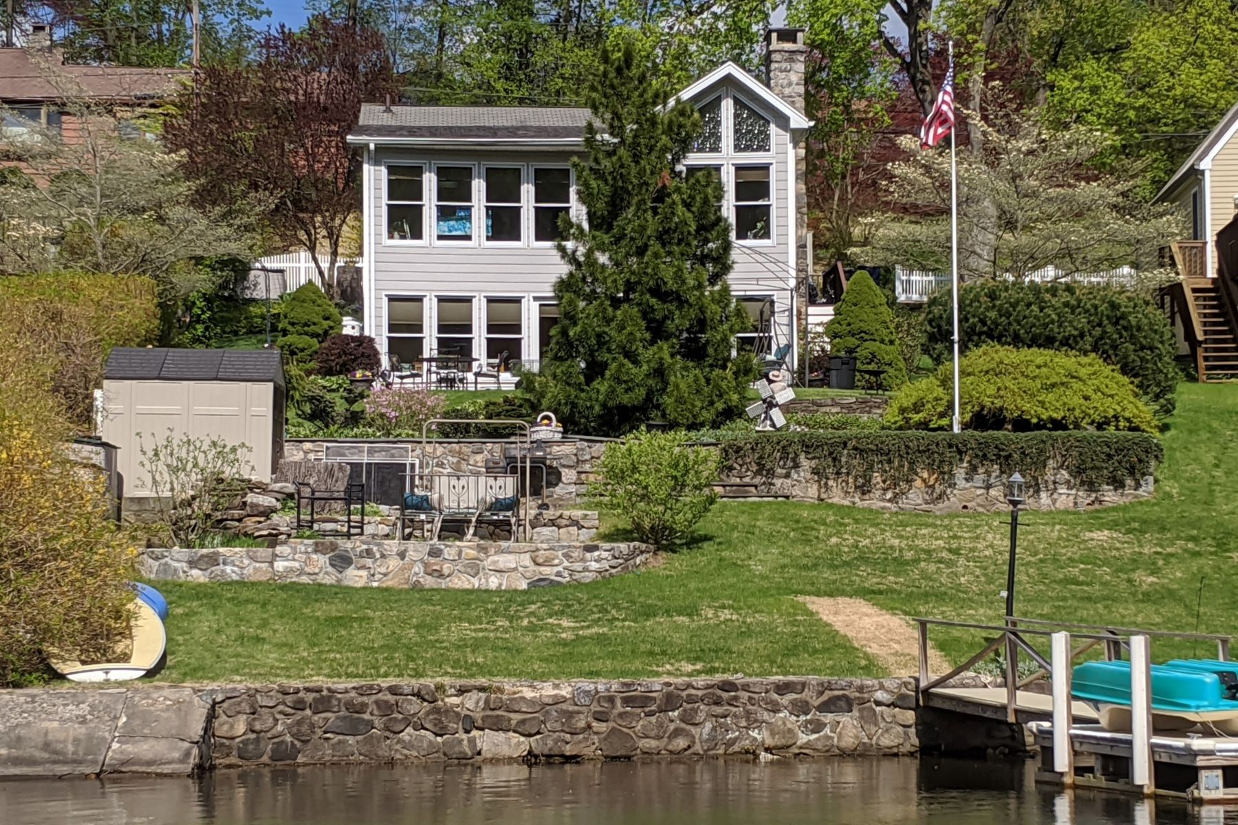 Single Family Homes للـ Sale في Direct Waterfront- Spectacular Lake Views 12 Windmill Rd, New Fairfield, Connecticut 06812 United States