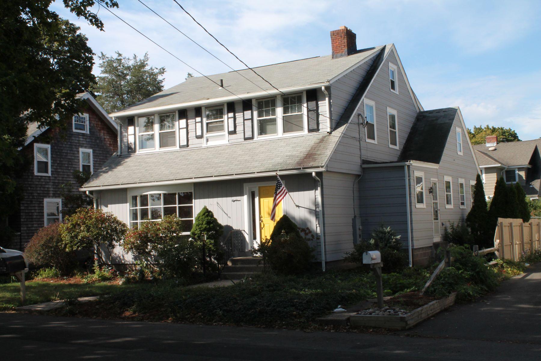 独户住宅 为 销售 在 Pine Orchard Gem 18 Hart Avenue, 布兰福德, 康涅狄格州, 06405 美国