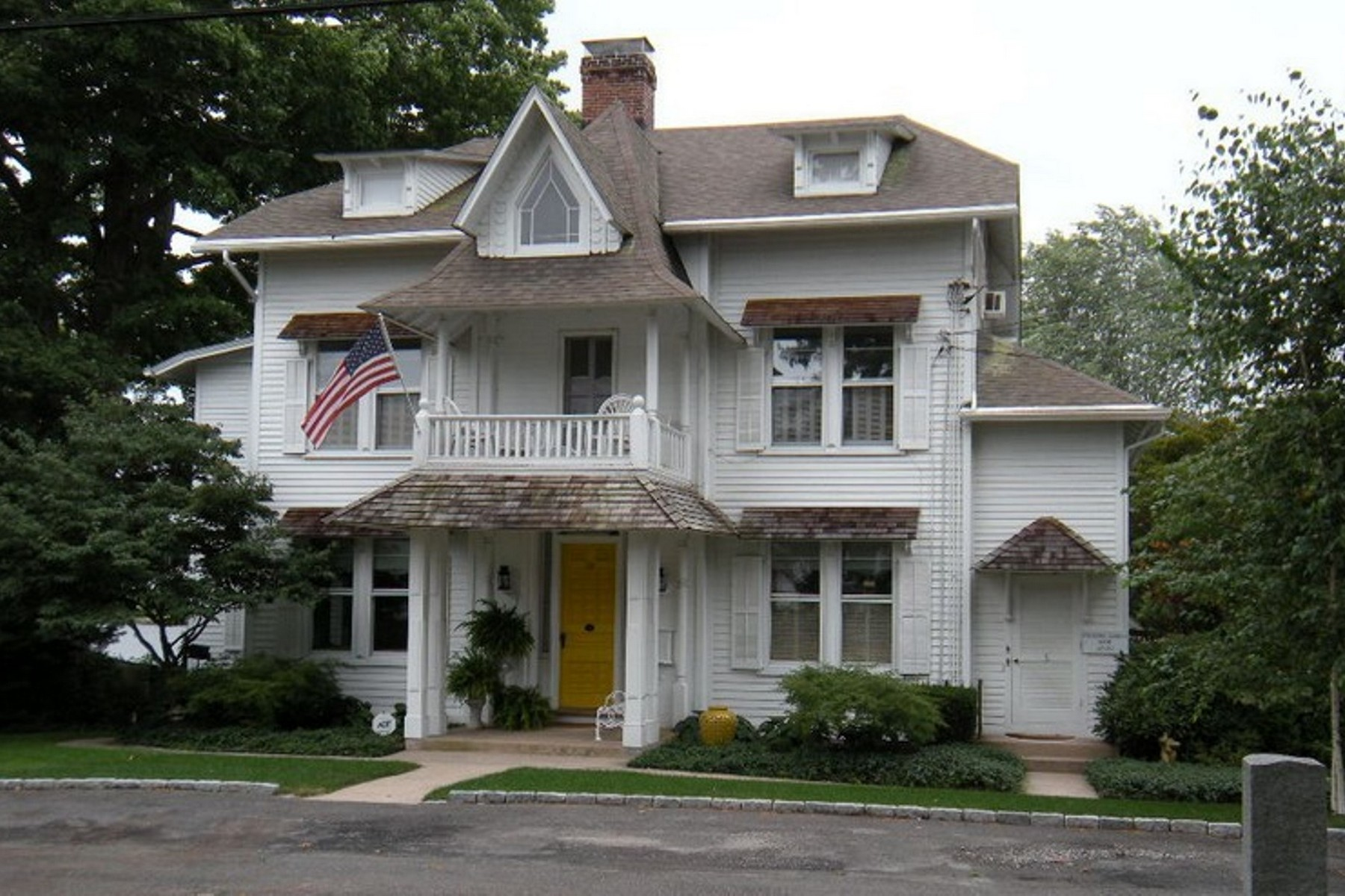 "Multi-Family Homes 为 出租 在 ""The Penthouse"" A Stunning Village Apartment 8 Scholes Lane Unit 3 埃塞克斯, 康涅狄格州 06426 美国"