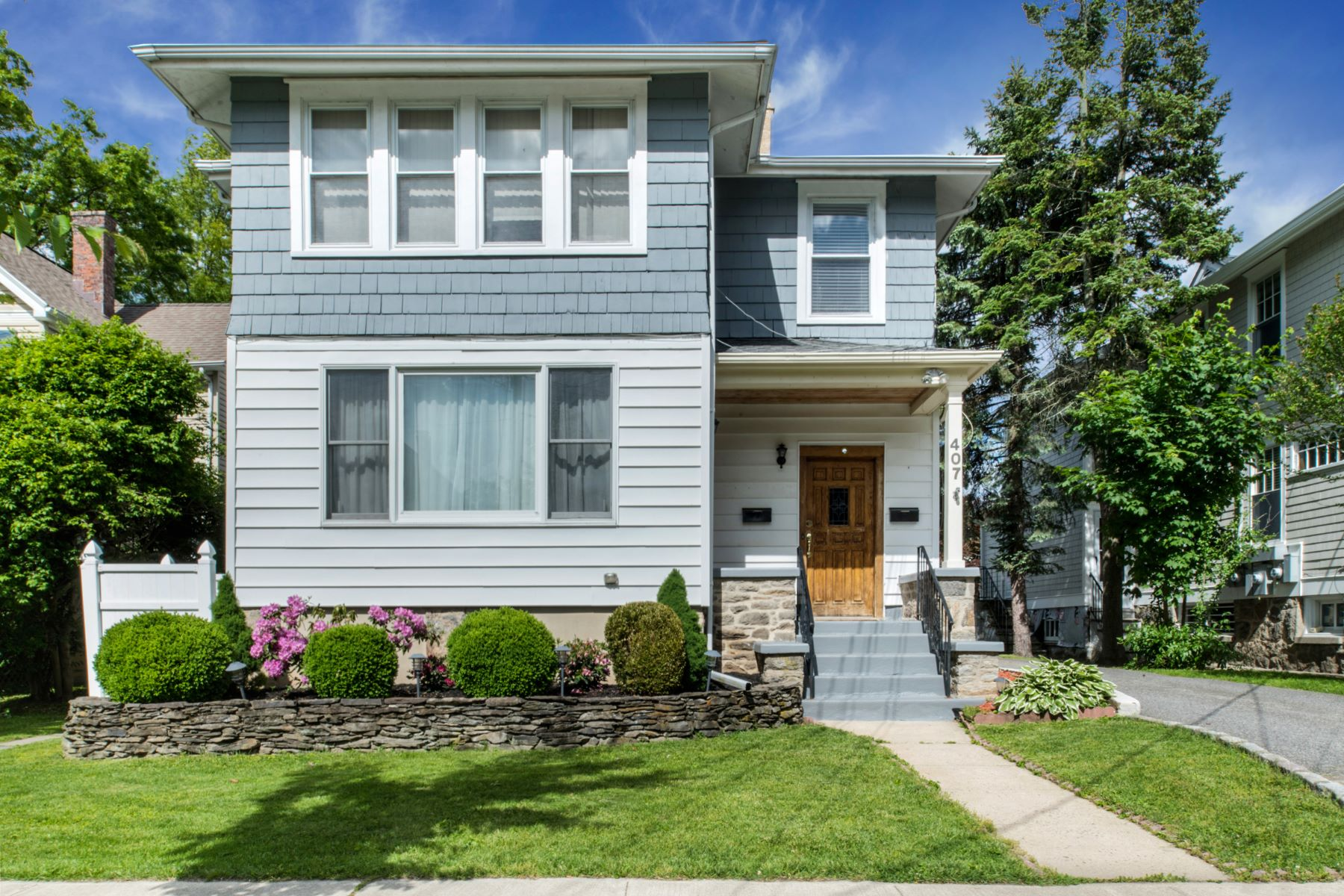 Single Family Homes for Active at 407 Melbourne Avenue 407 Melbourne Ave Mamaroneck, New York 10543 United States