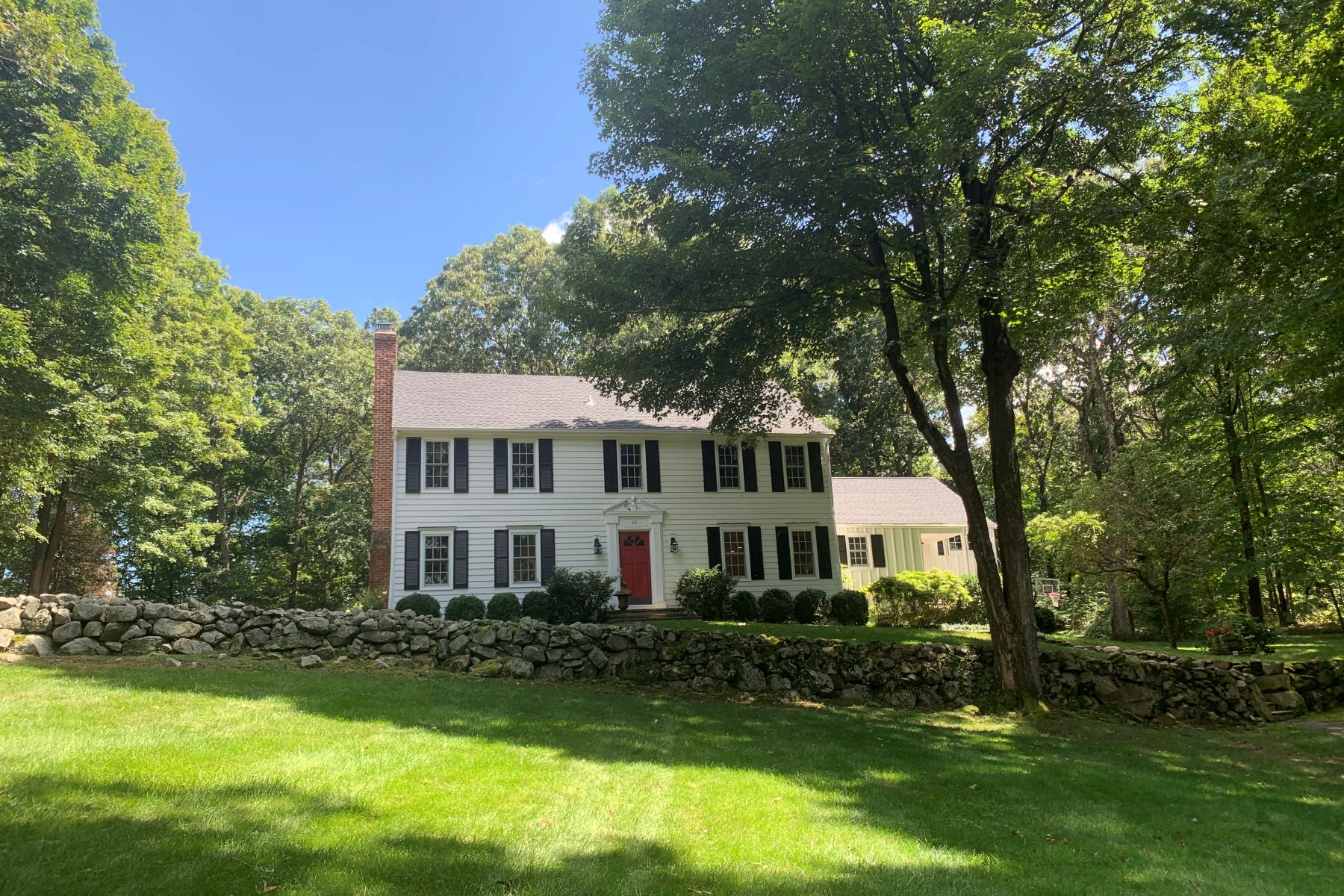 Single Family Homes for Active at 52 Edgewater Drive Wilton, Connecticut 06897 United States