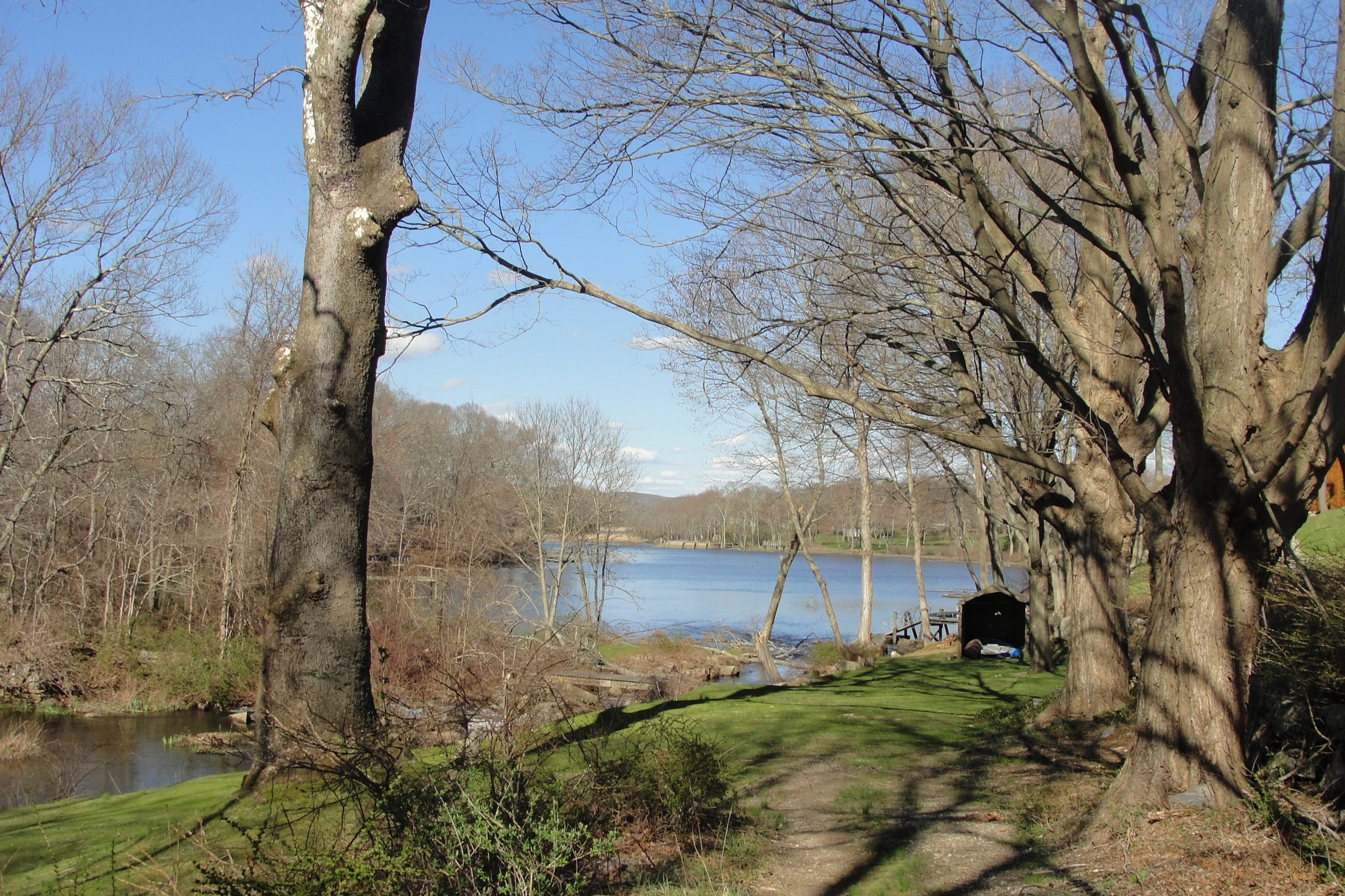 Land for Sale at The Only Remaining Waterfront Building Lot on Mill Pond 10 Mill Lane Essex, Connecticut 06426 United States