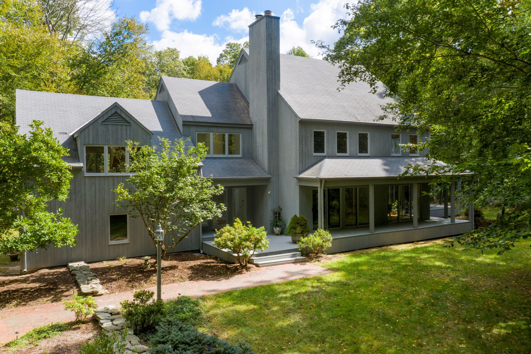 Single Family Homes for Active at Private Contemporary on Nearly 5 Acres! 389-1 Grassy Hill Road Lyme, Connecticut 06371 United States