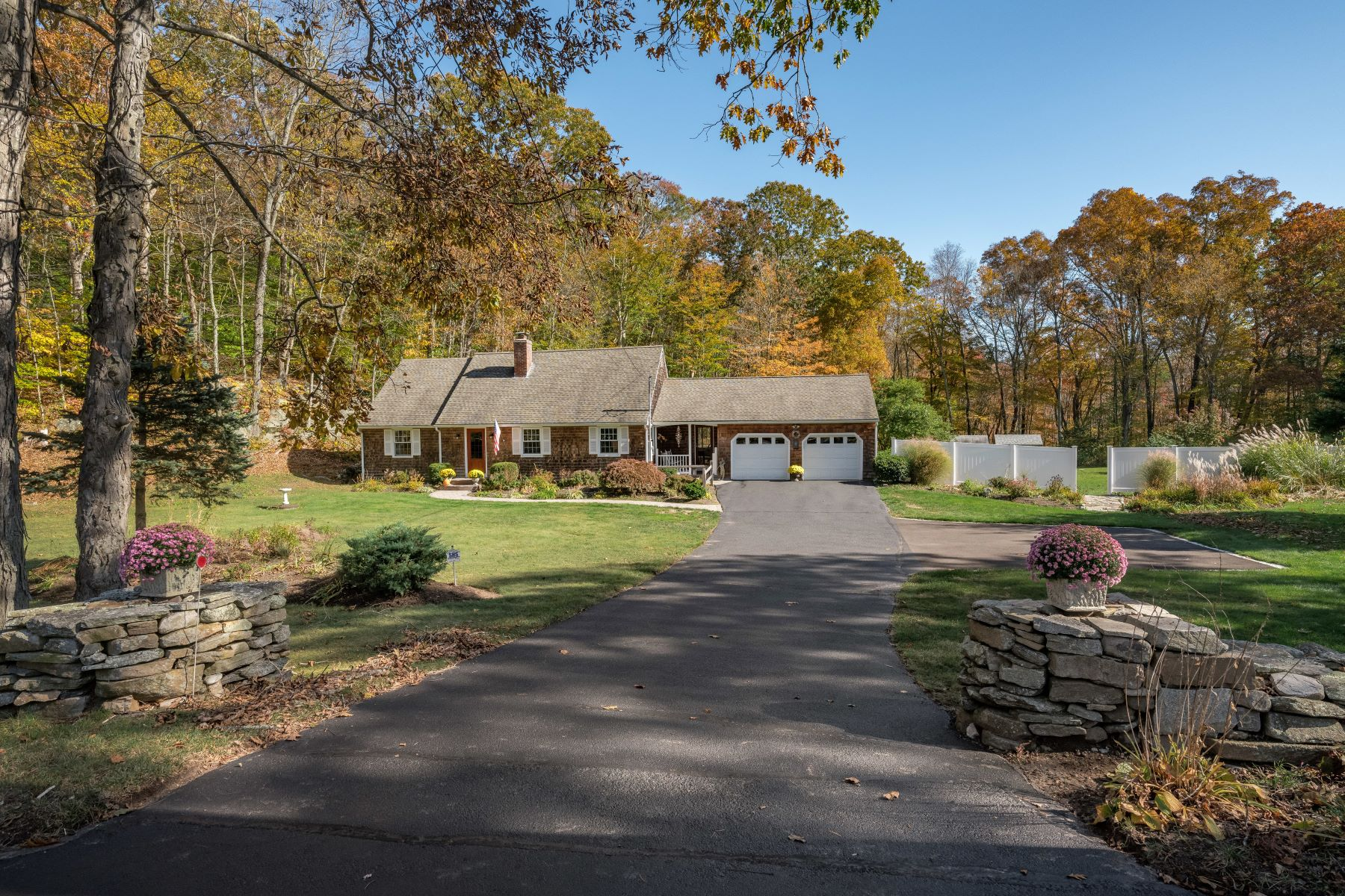 Single Family Homes for Active at Updated & Well-Maintained Cape on Nearly 3 Acres! 258 Pendleton Hill Rd North Stonington, Connecticut 06359 United States