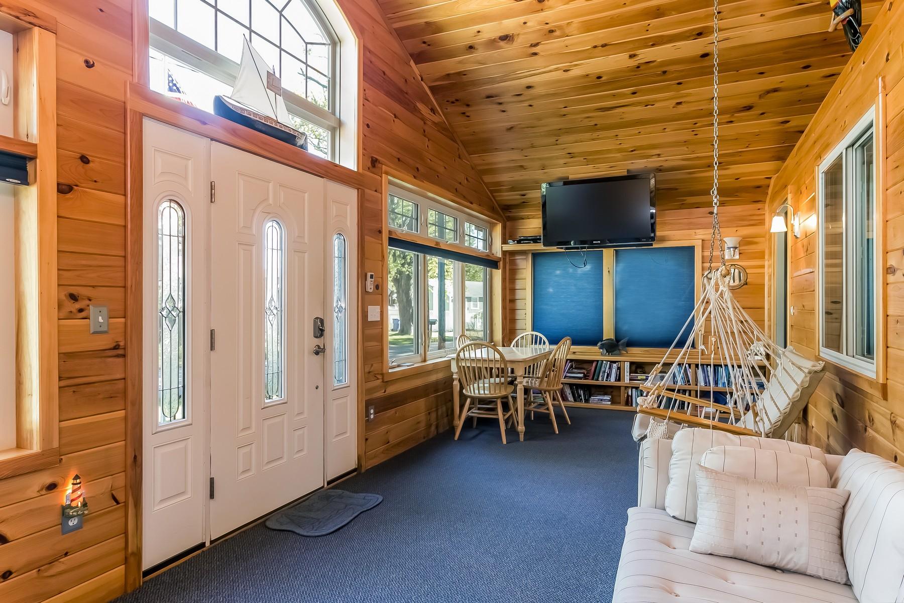 獨棟家庭住宅 為 出售 在 Enjoy Summer Or Year Round 34 Soundview Ave Old Saybrook, 康涅狄格州, 06475 美國