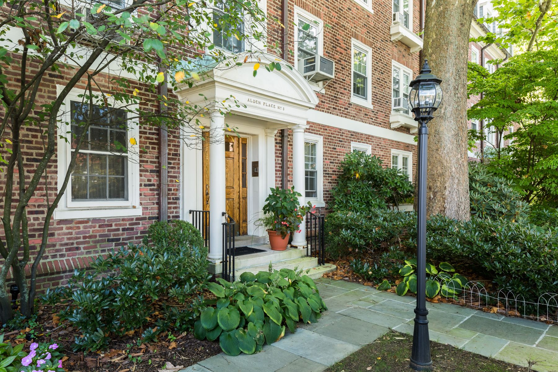 Co-op for Sale at Bronxville Village Style 3 Alden Place 3A, Bronxville, New York, 10708 United States
