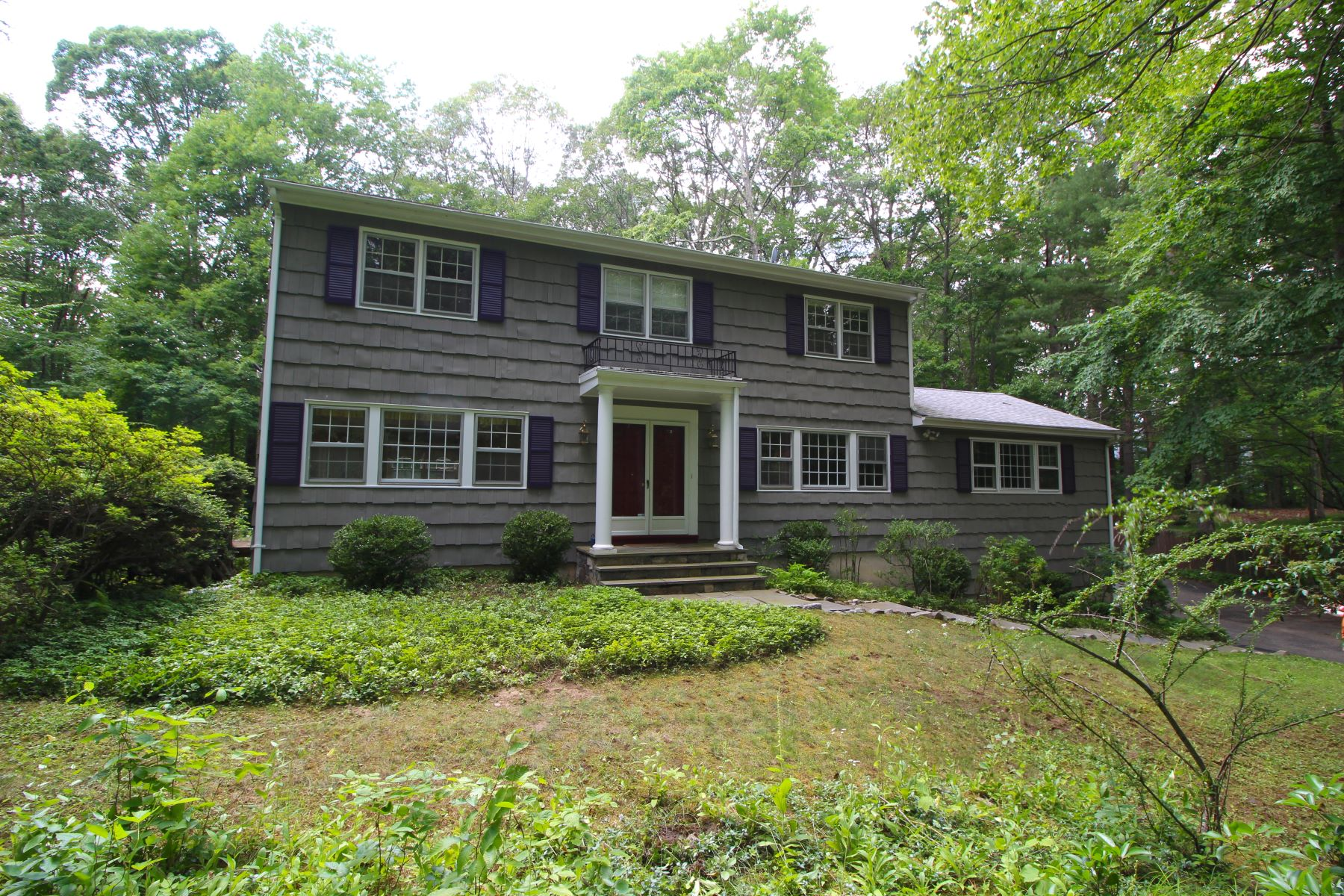 Single Family Home for Rent at Mayapple Farms Colonial 22R McIntosh Court Stamford, Connecticut 06903 United States
