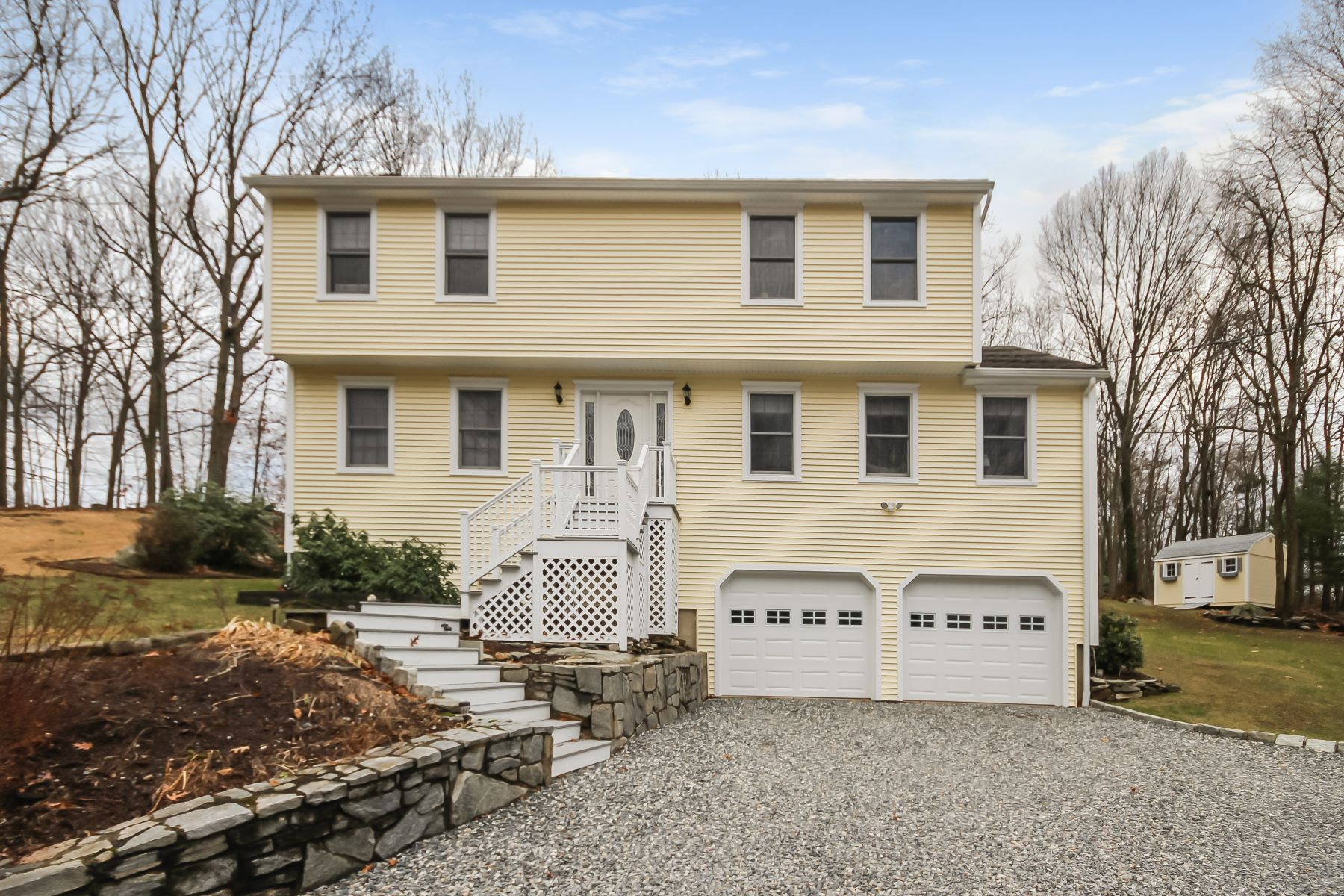 Single Family Home for Sale at Pride of Ownership Abounds 65 Morning Glory Terr Stratford, Connecticut 06614 United States